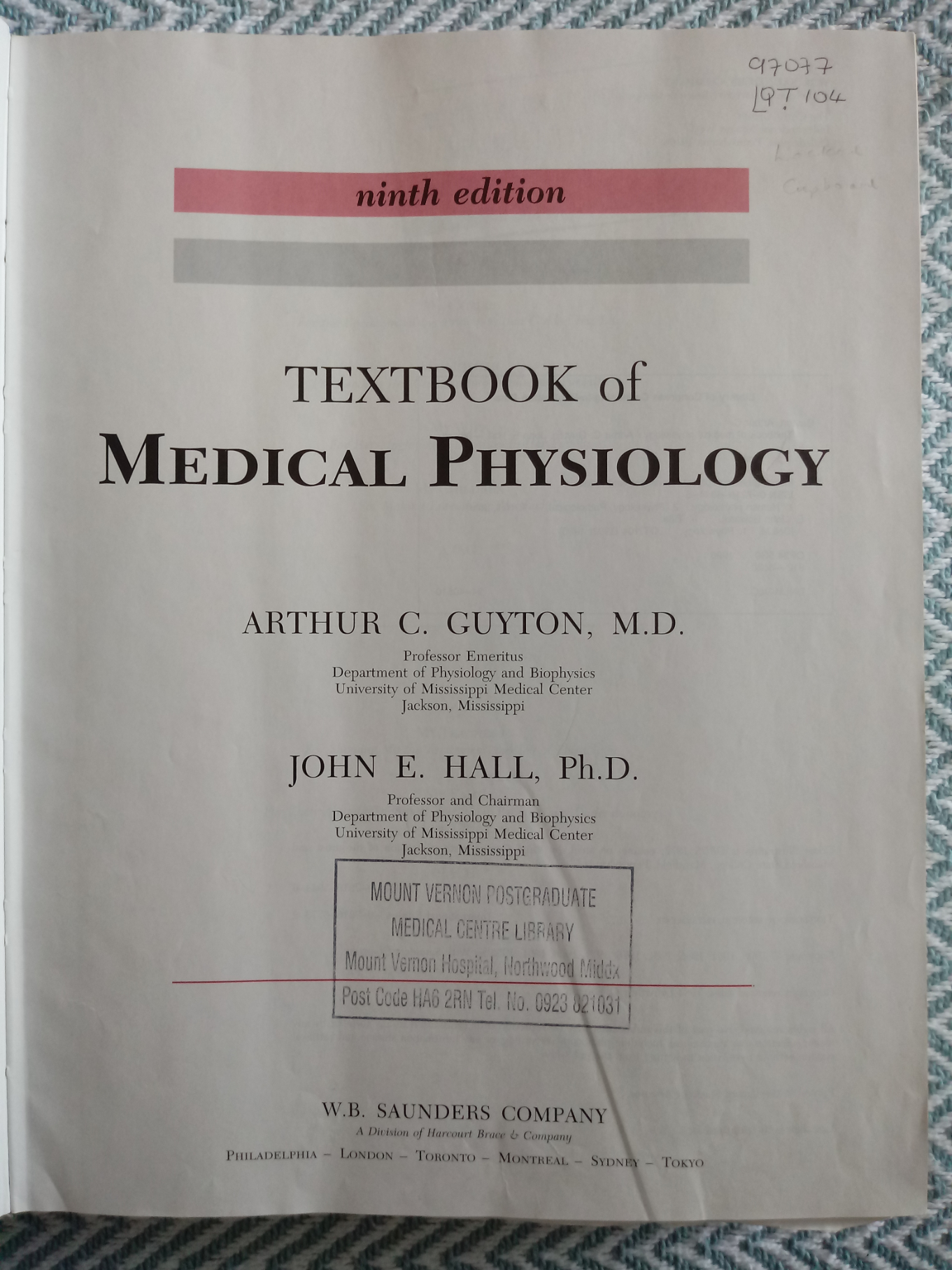 Textbook of Medical Physiology 9th Edition by Arthur Guyton and John E. Hall hardback book 1148 - Image 2 of 3