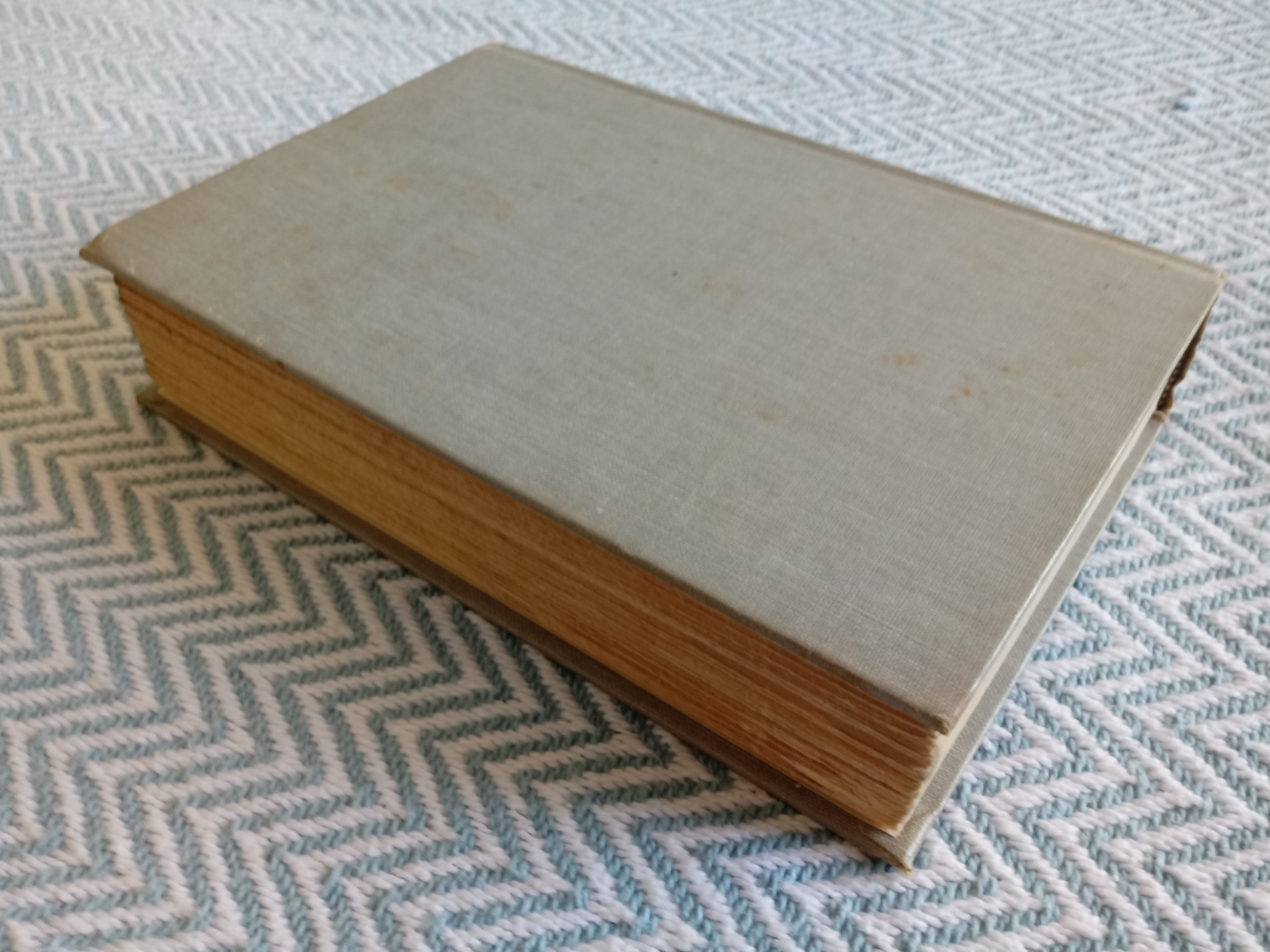 2 x The Tontine Volumes 1&2 by Thomas B. Costain hardback books 465 and 930 pages with inscription - Image 6 of 8