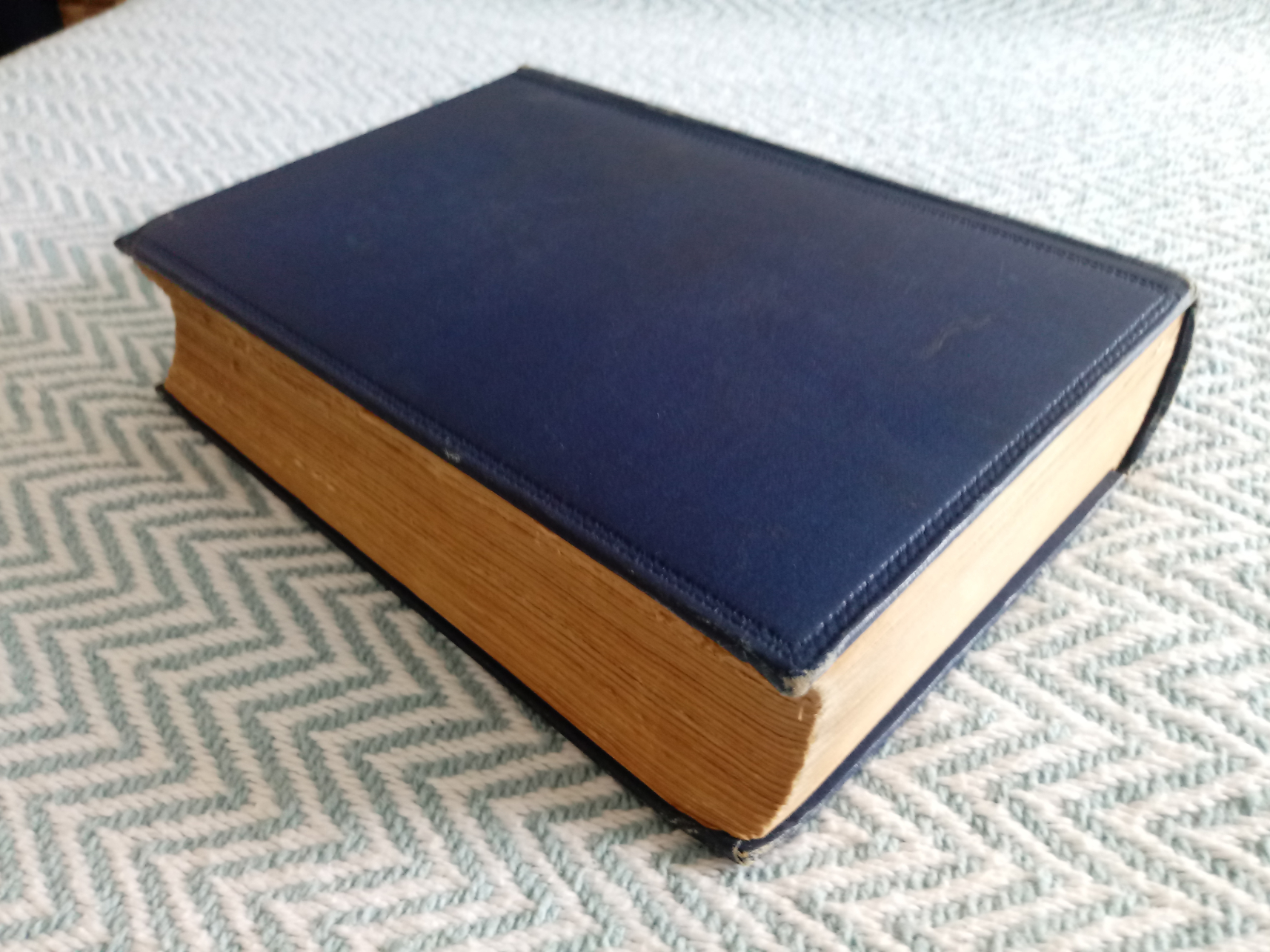 The Oxford book of English Verse 1250-1900 edited by Arthur Qquiller-Couch 1084 pages Published 1912 - Image 2 of 4