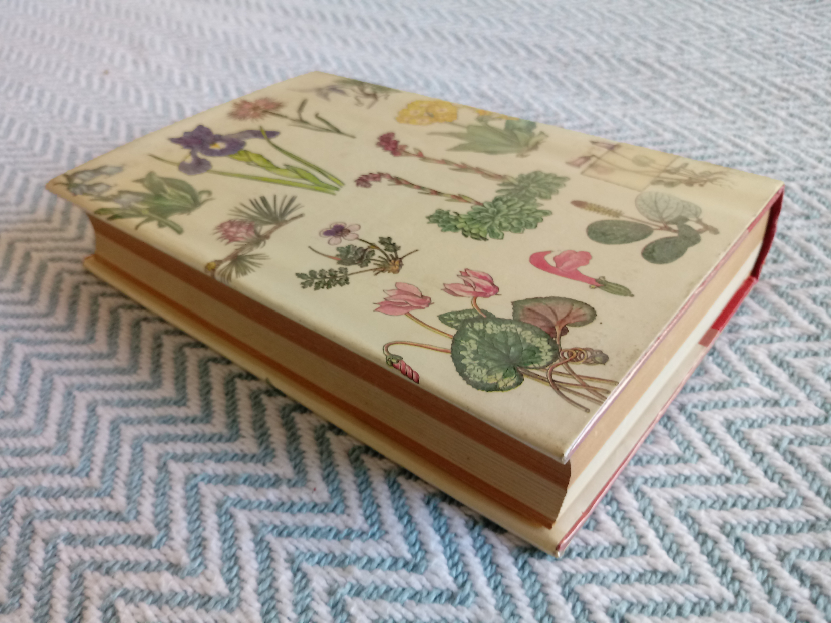 Mountain Flowers In Colour by Anthony Huxley hardback book 428 pages Published 1967 Bradford - Image 2 of 5