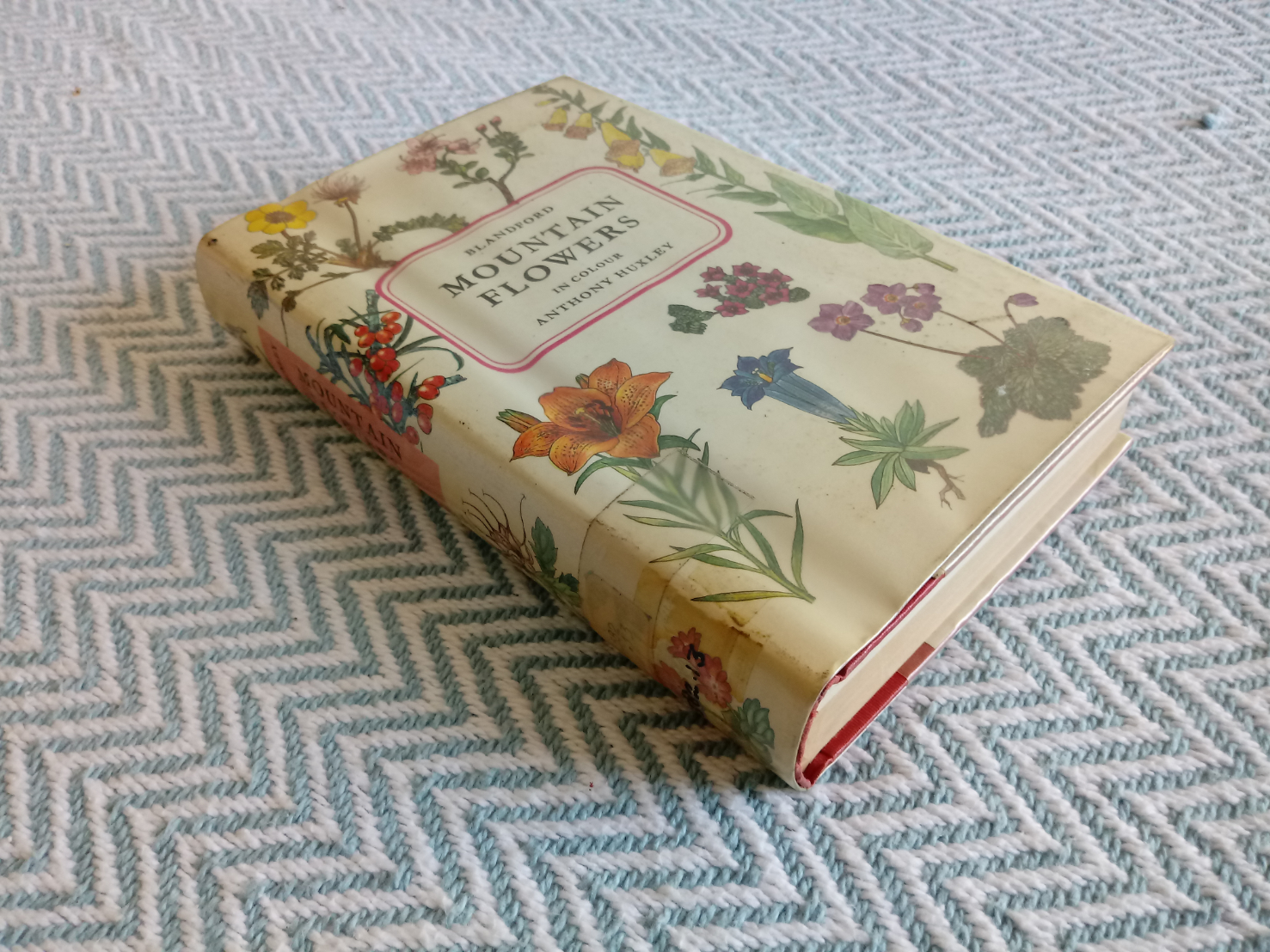 Mountain Flowers In Colour by Anthony Huxley hardback book 428 pages Published 1967 Bradford