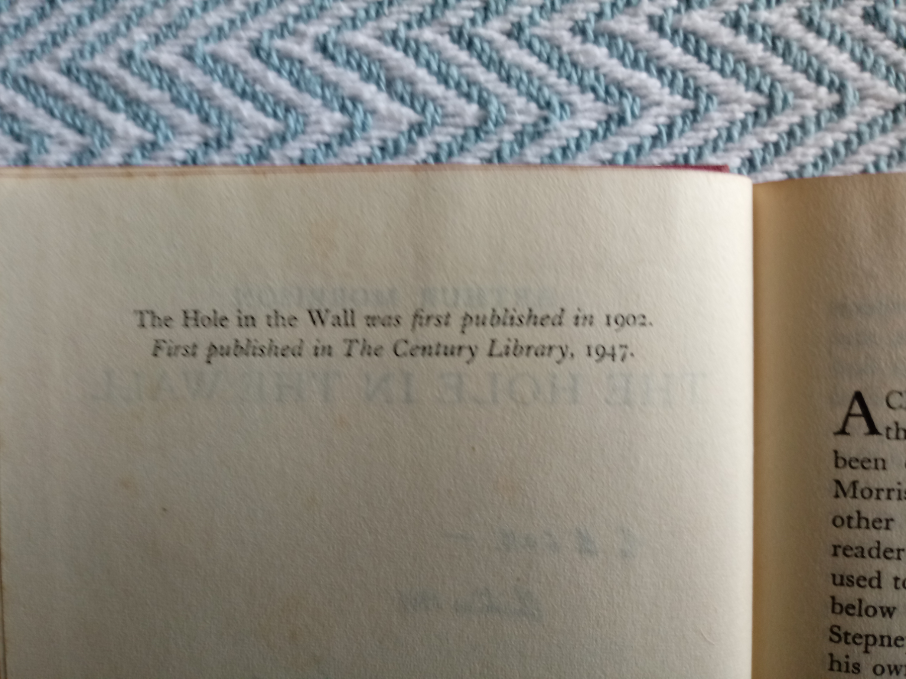 The Hole In The Wall by Arthur Morrison hardback book 223 pages inscribed on title page Published - Image 4 of 4