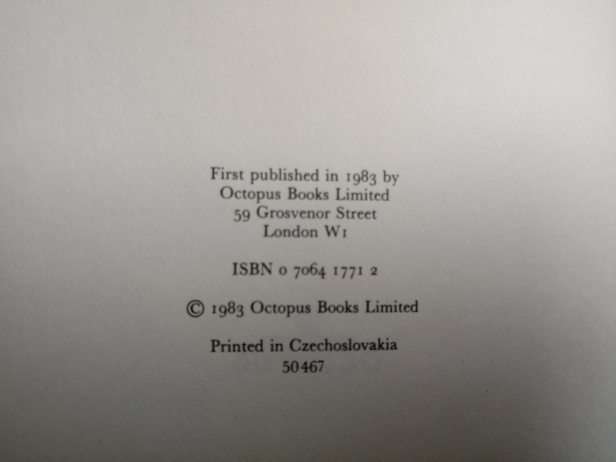 The World's Greatest Ghosts by Nigel Blundell & Roger Boar hardback book 192 pages Published 1983 - Image 2 of 2
