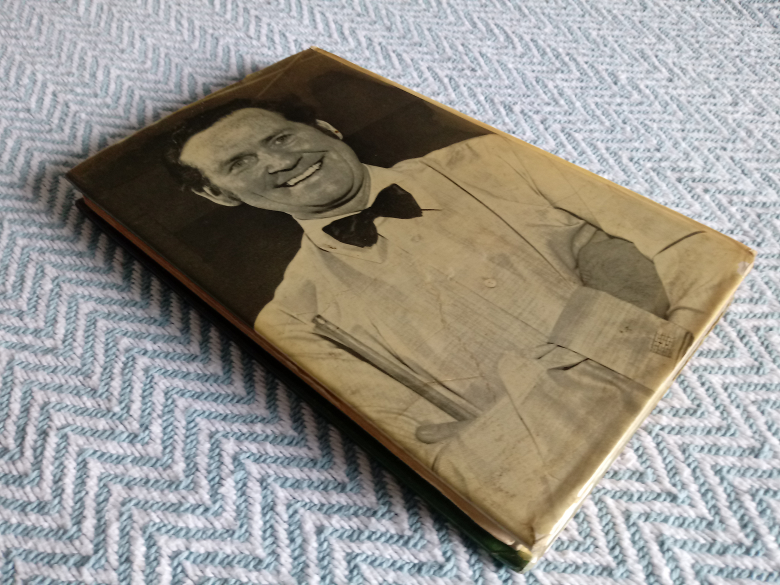Billiards & Snooker hardback book by Jack Karnehm. Published 1973 by Pelham Books. Dust jacket