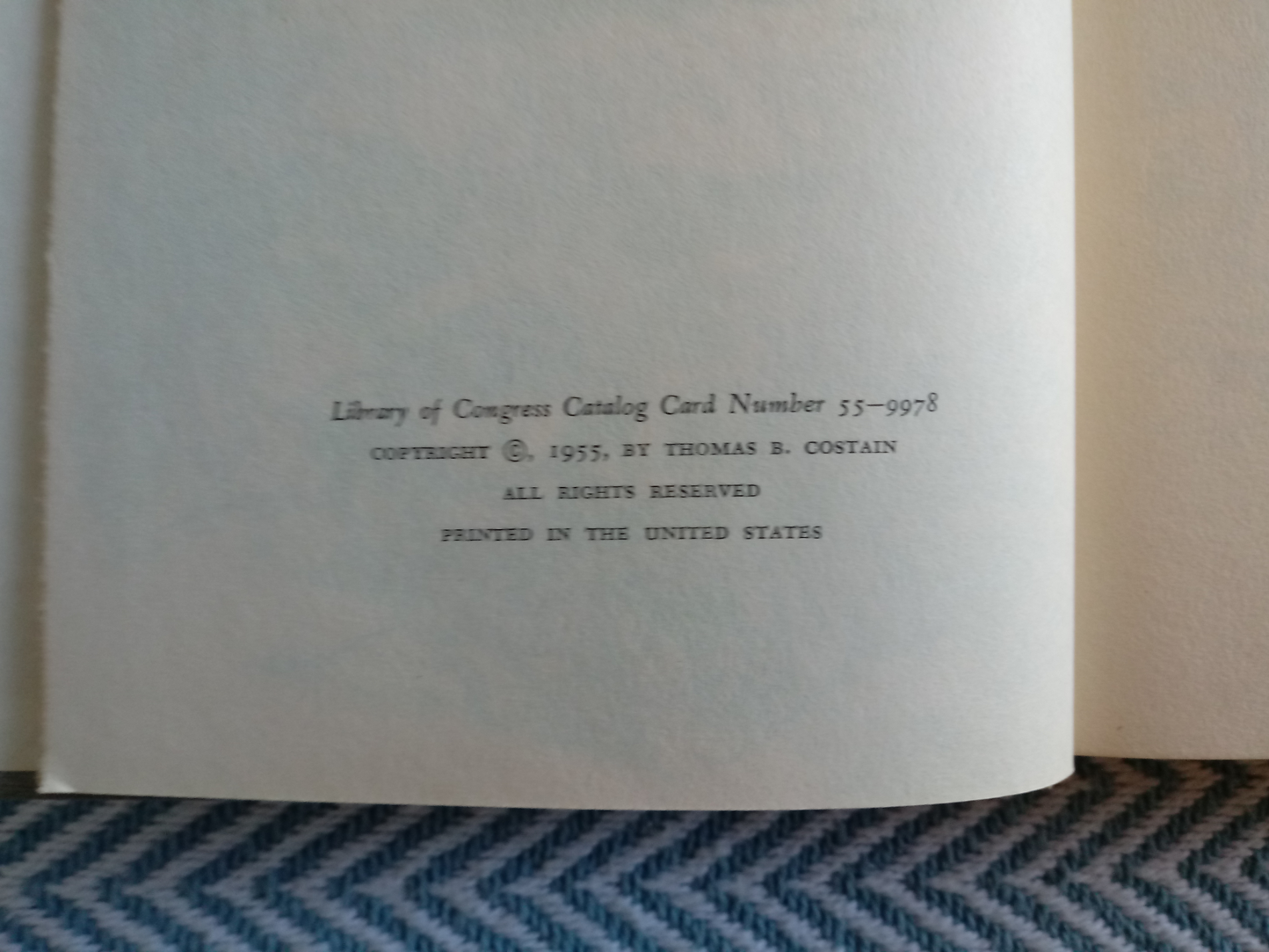 2 x The Tontine Volumes 1&2 by Thomas B. Costain hardback books 465 and 930 pages with inscription - Image 4 of 8