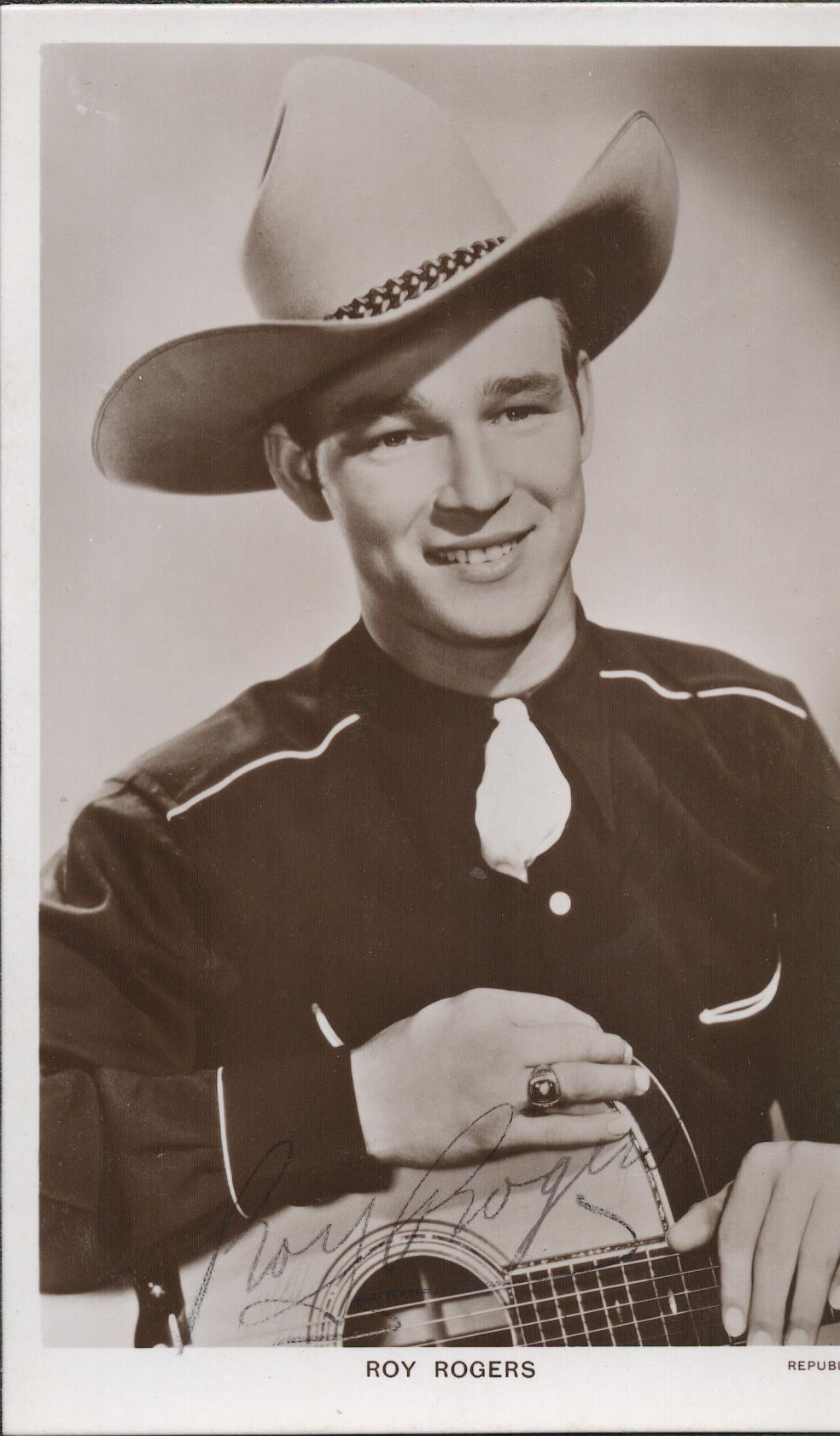 Roy Rogers (1911-1998) Western Singer and Actor Signed Vintage Picturegoer Postcard Photo. Good