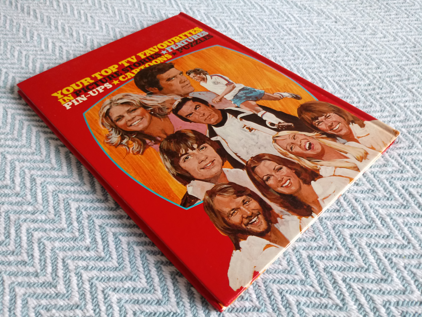 Look-In Television Annual hardback book 77 pages Published 1977 Independent Television - Image 2 of 3