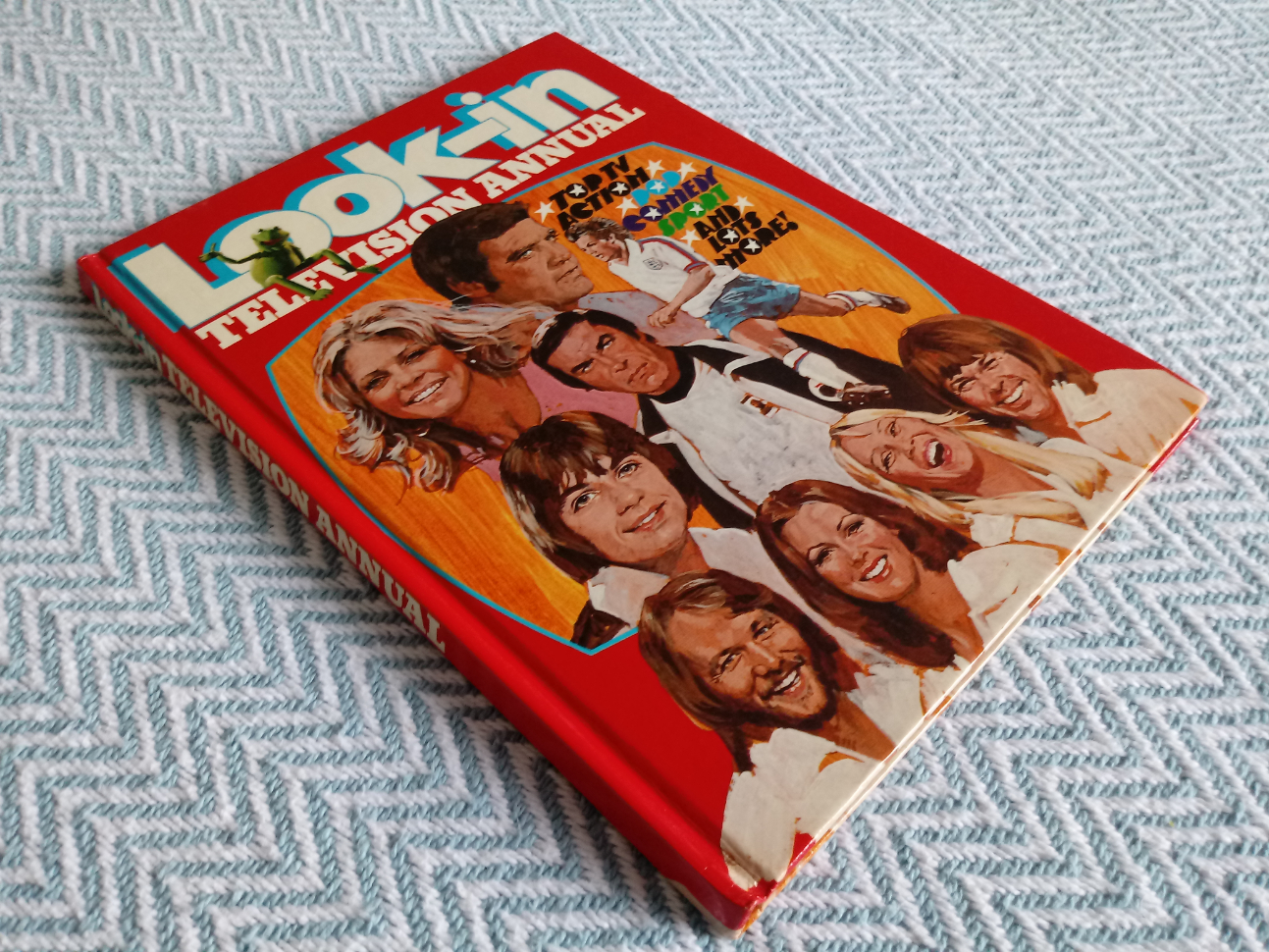 Look-In Television Annual hardback book 77 pages Published 1977 Independent Television