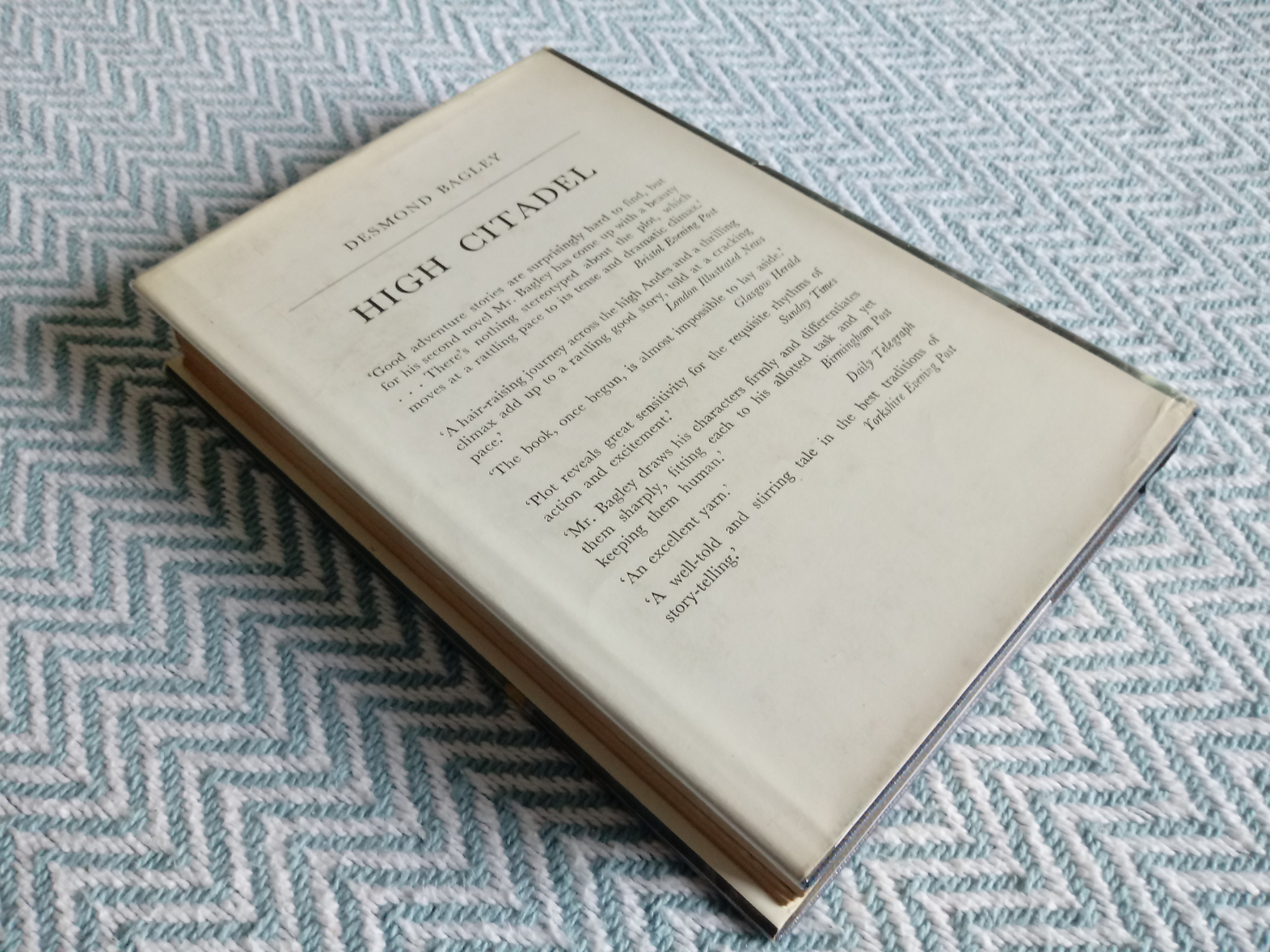 3 x Desmond Bagley hardback books published by Collins 1- Wyatt's Hurricane 287 pages 1966. In - Image 3 of 10