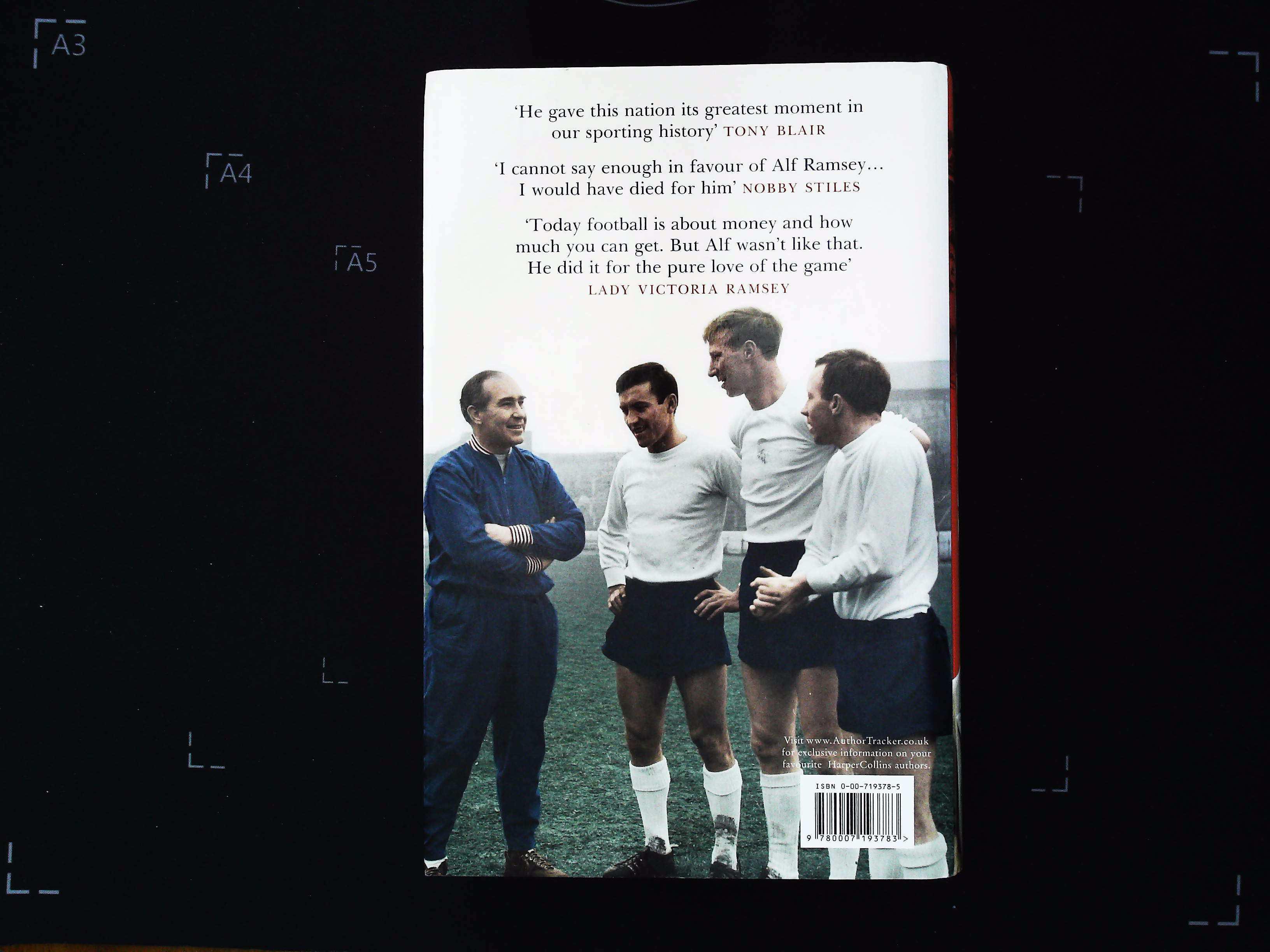 Sir Alf hardback book by Leo McKinstry. Published 2006 Harpersport. ISBN 0-00-719378-5. 528 pages. - Image 2 of 3