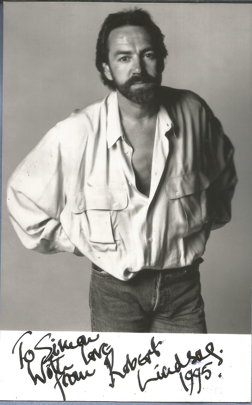 Robert Lindsay signed 6x4 black and white photo dedicated. Robert Lindsay (born 13 December 1949) is