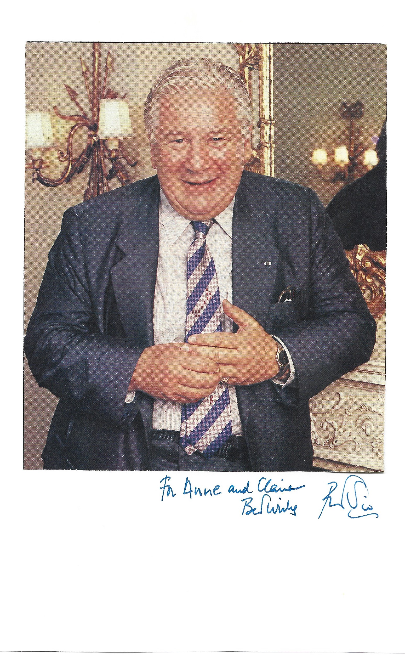 Sir Peter Ustinov signed 8x6 signature piece includes a dedicated signature and a colour photo