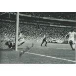 Gordon Banks (1955-2019) Signed 8x12 England 1970 Pele Save Photo. Good Condition. All autographs