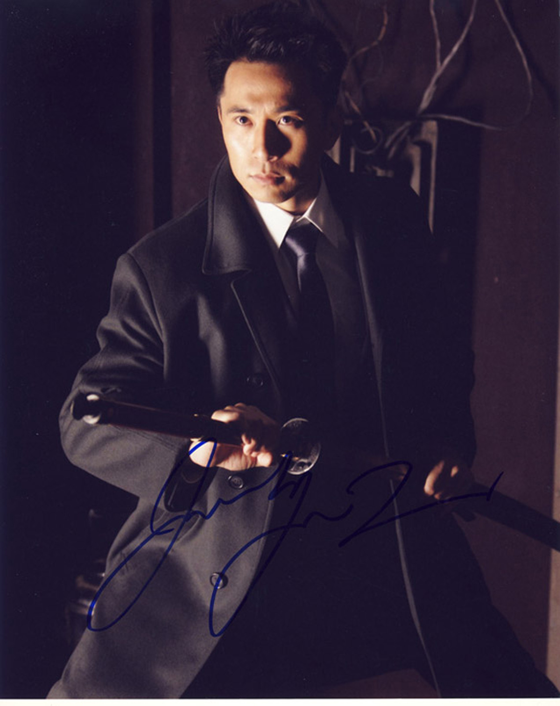 Blowout Sale! Heroes James Kyson Lee hand signed 10x8 photo. This beautiful 10x8 hand signed photo