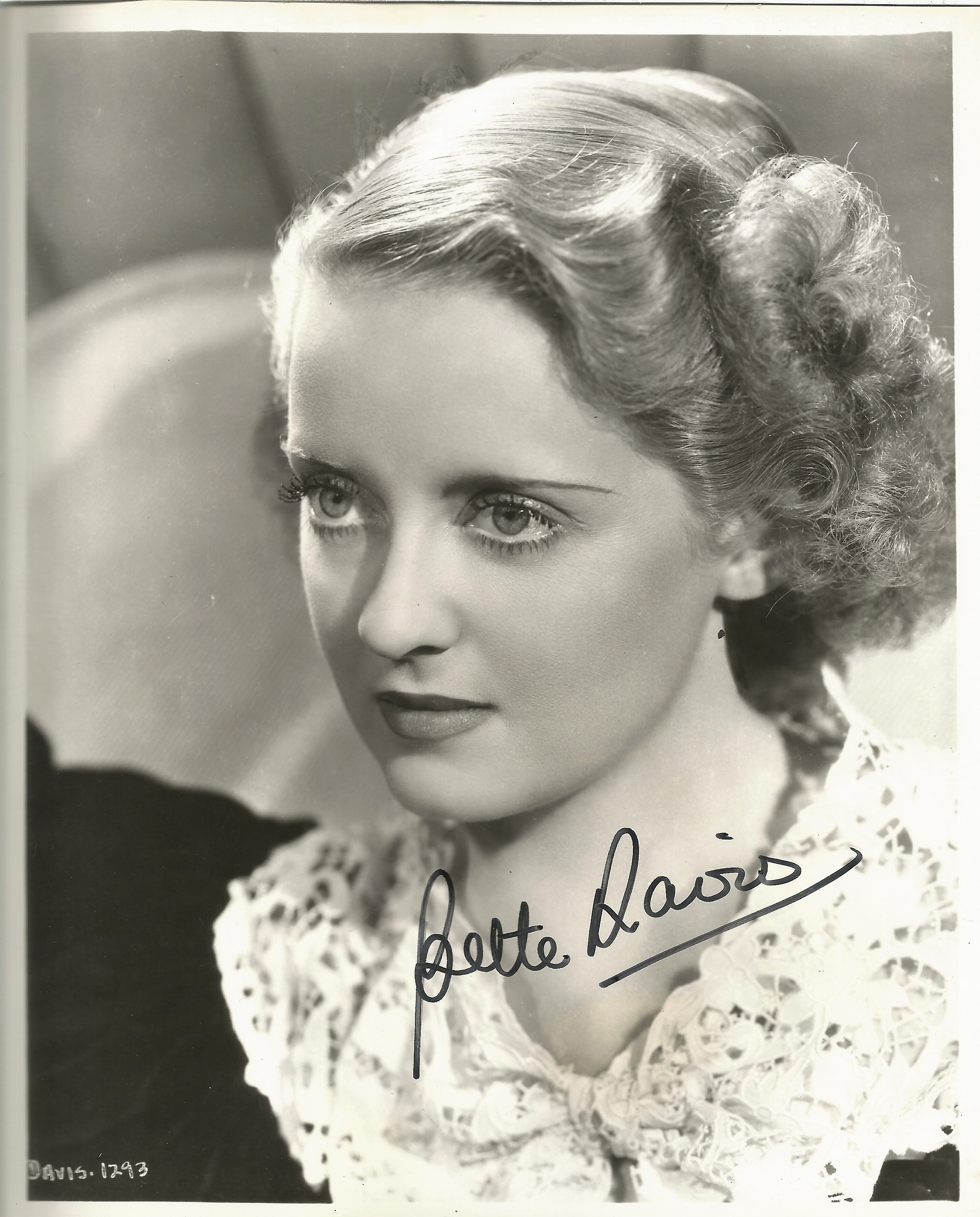 Bette Davis very early signed 10x8 black and white photo, scarce early image. Signature is in