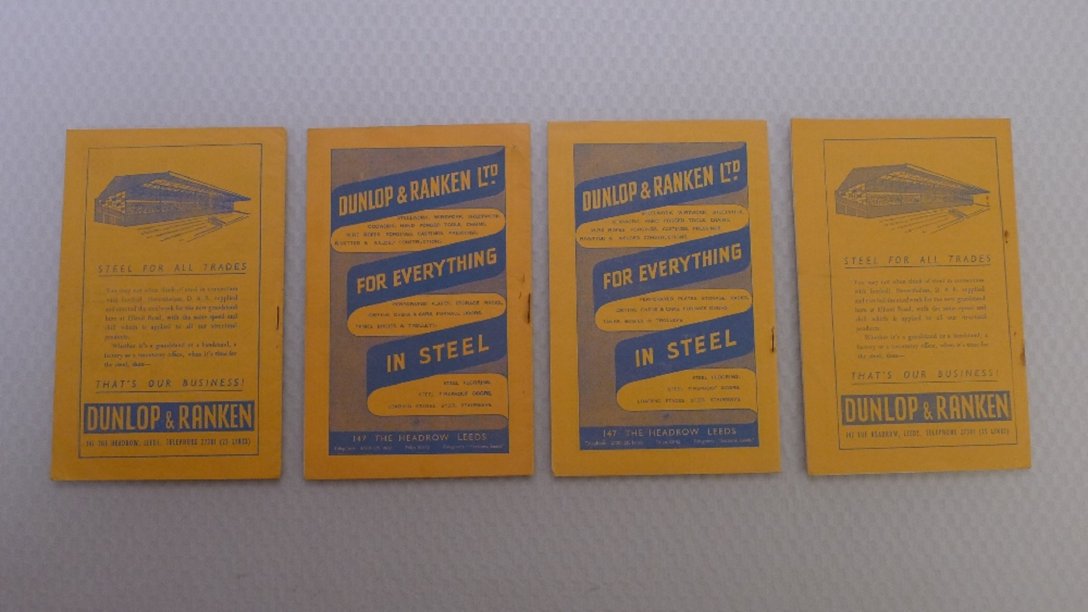 Vintage Football Programmes. 4 x Leeds United 1958 / 59 Season football programmes comprising v - Image 2 of 4
