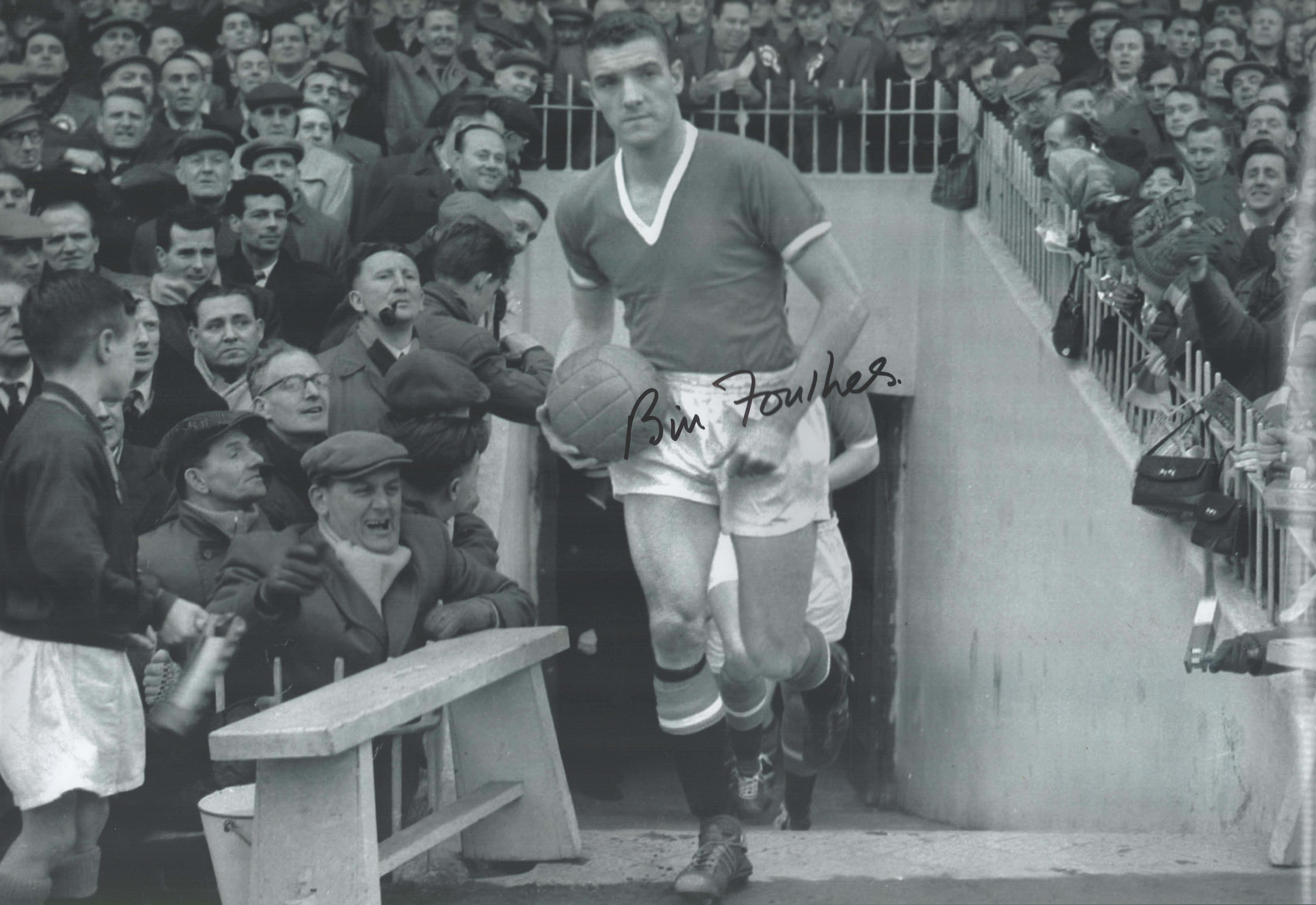 Football. Bill Foulkes Signed 18x12 black and white photo. Photo shows Foulkes running from the