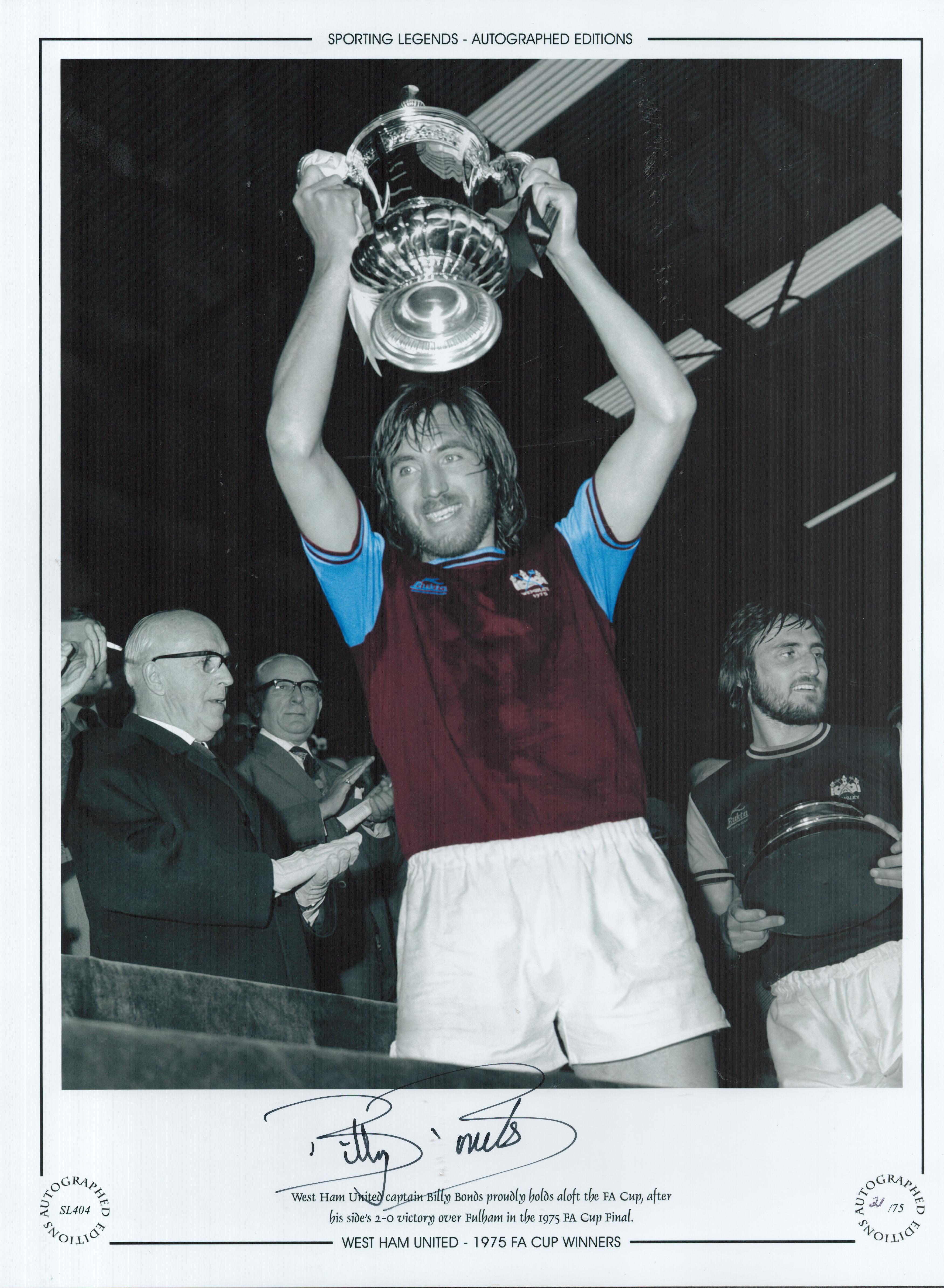 Football. Billy Bonds Signed 16x12 black and white photo with claret and blue shirt. Autographed