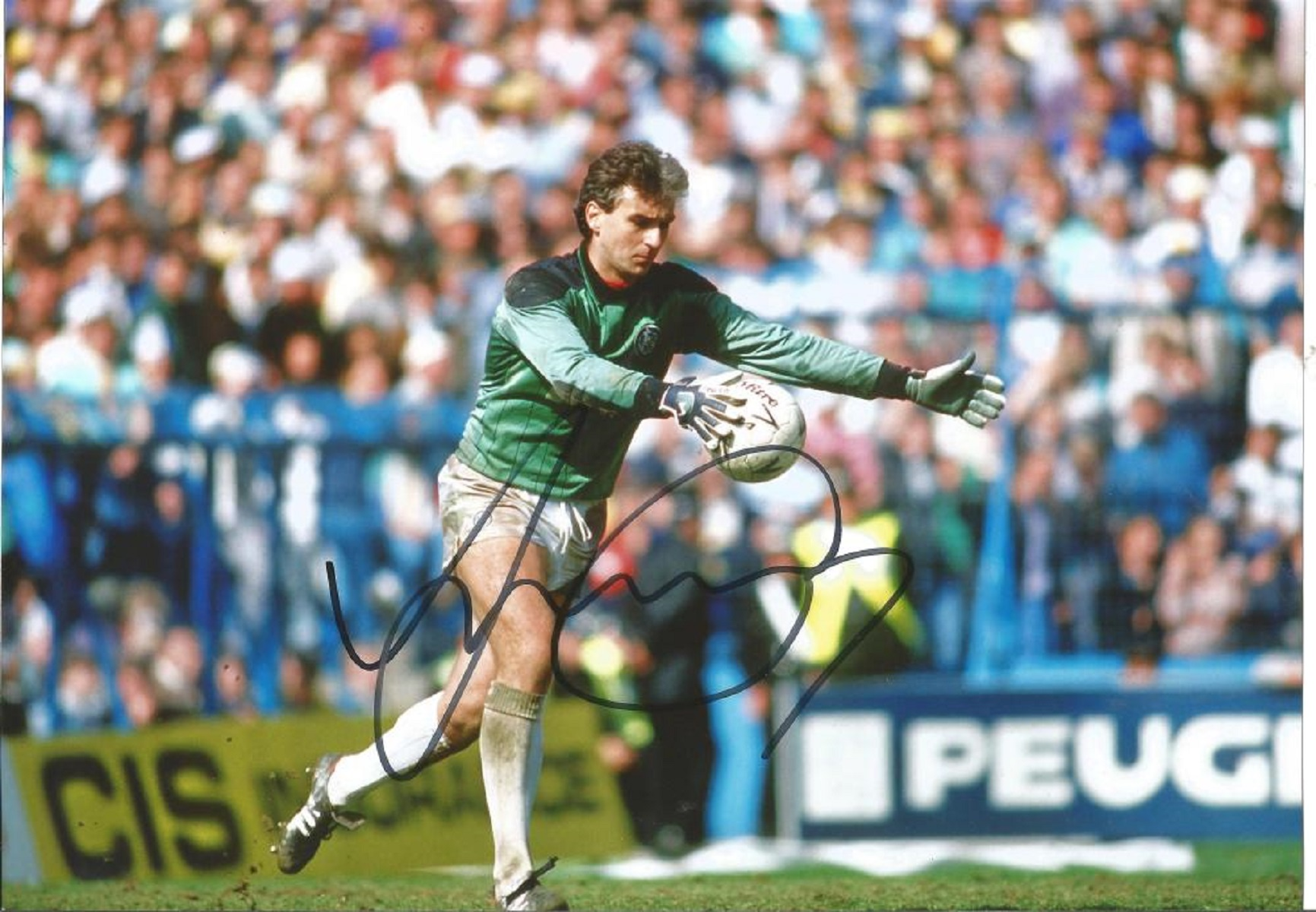 Mervyn Day Signed Leeds United 8x12 Photo. Good condition. All autographs come with a Certificate of