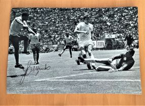 Football, Jairzinho signed 12x16 black and white photograph pictured during the 1970 World Cup match
