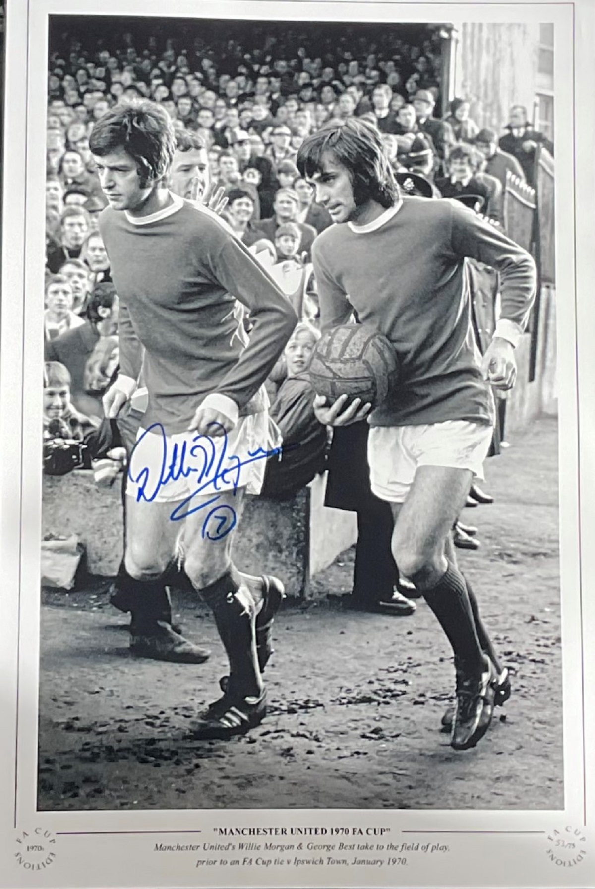 Willie Morgan signed 16x12 Manchester United 1970 FA Cup colour print. Manchester United's Willie