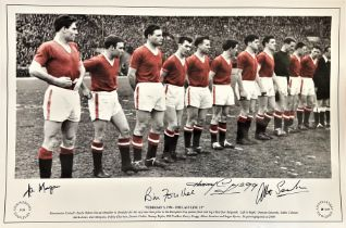 Football, Manchester United multi signed 12x18 black and white colourised photograph, featuring