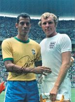 Football, Carlos Alberto signed 12x16 colour photograph pictured before England and Brazil's 1970