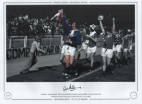 Football. Alex Stepney Signed 16x12 black and white photo, Stepney is in colour. Autographed