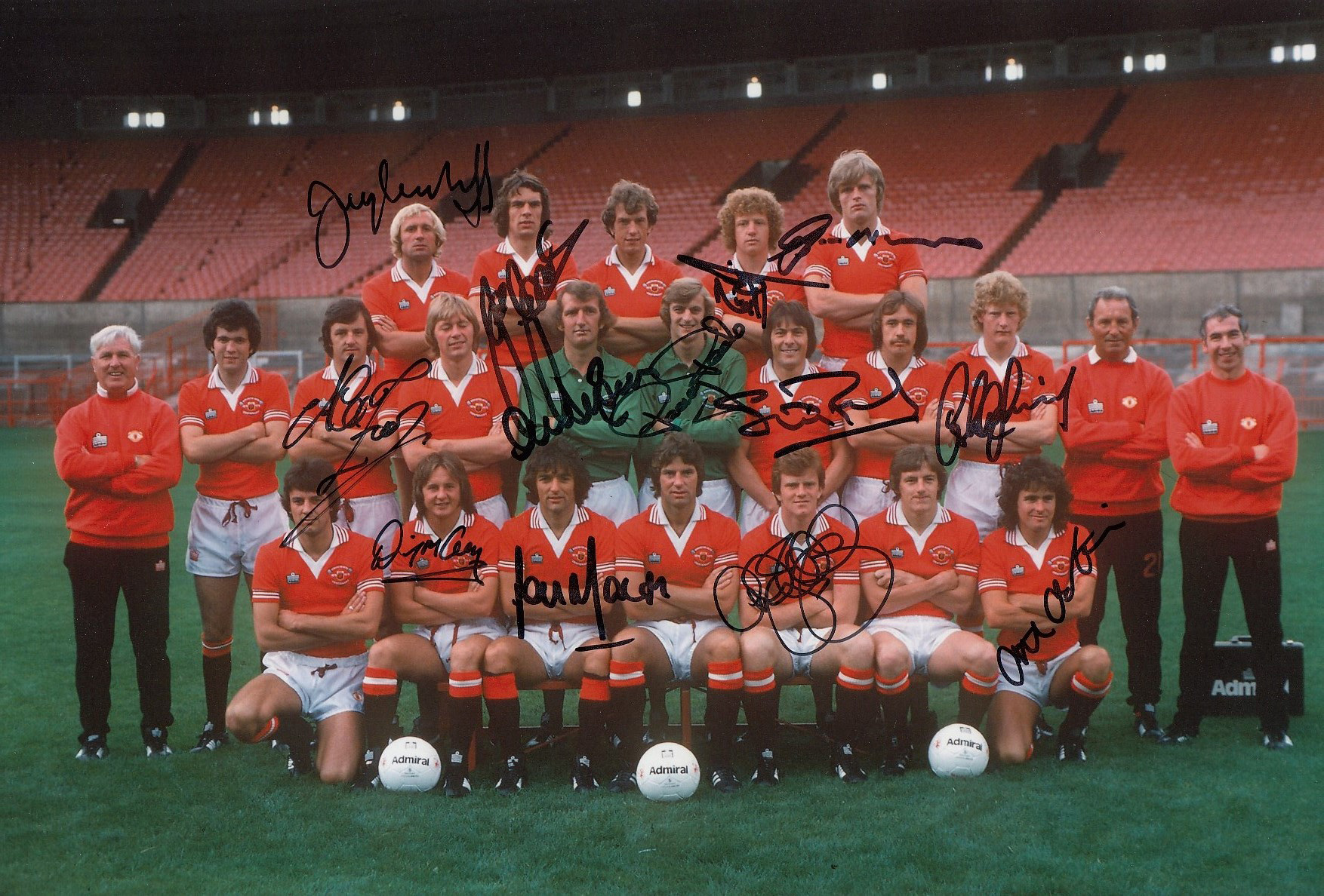 Autographed Man United 12 X 8 Photo Col, Depicting Players Posing For A Squad Photo During A Photo