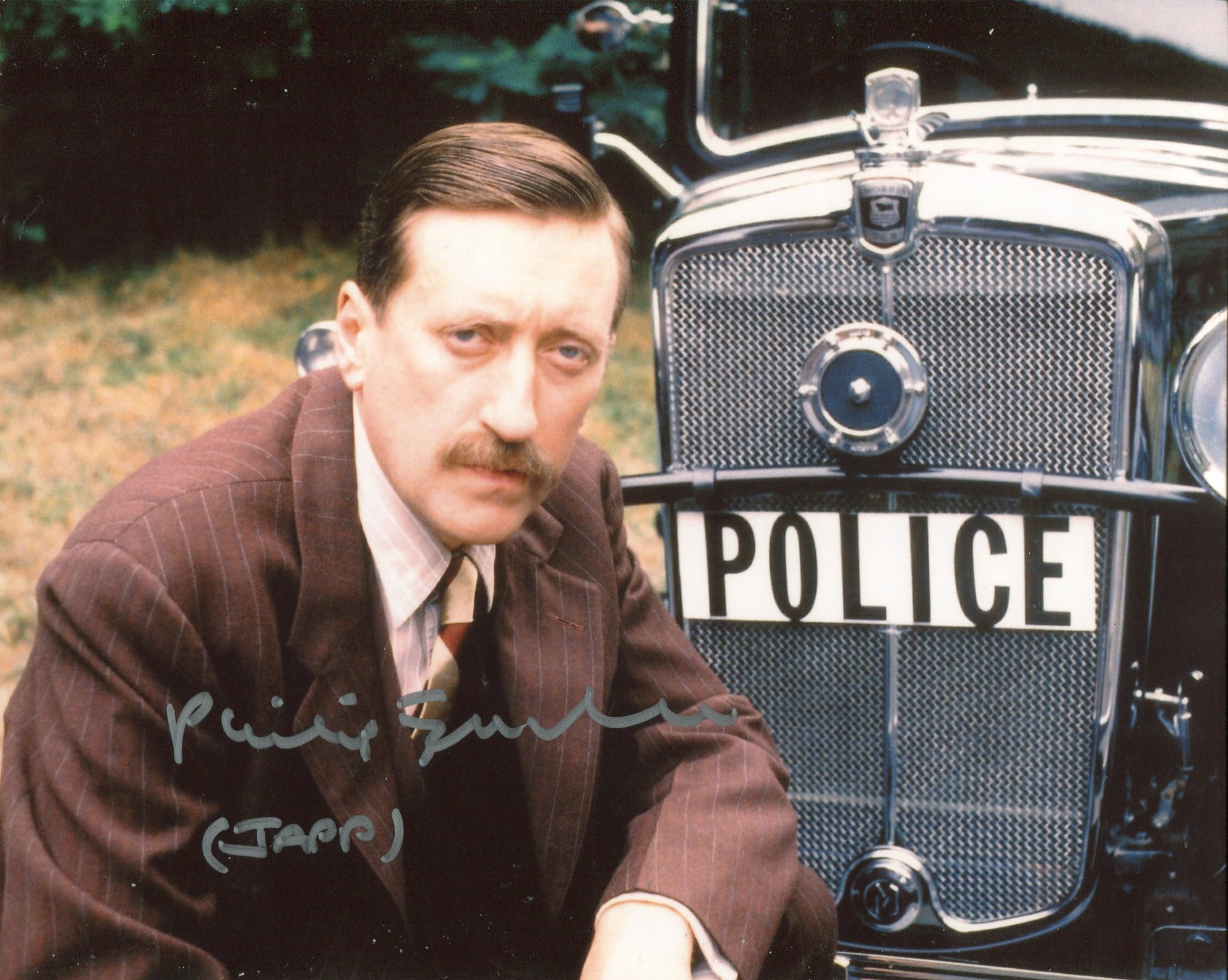 Poirot 8x10 photo signed by actor Philip Jackson as Inspector Japp. Good condition. All autographs