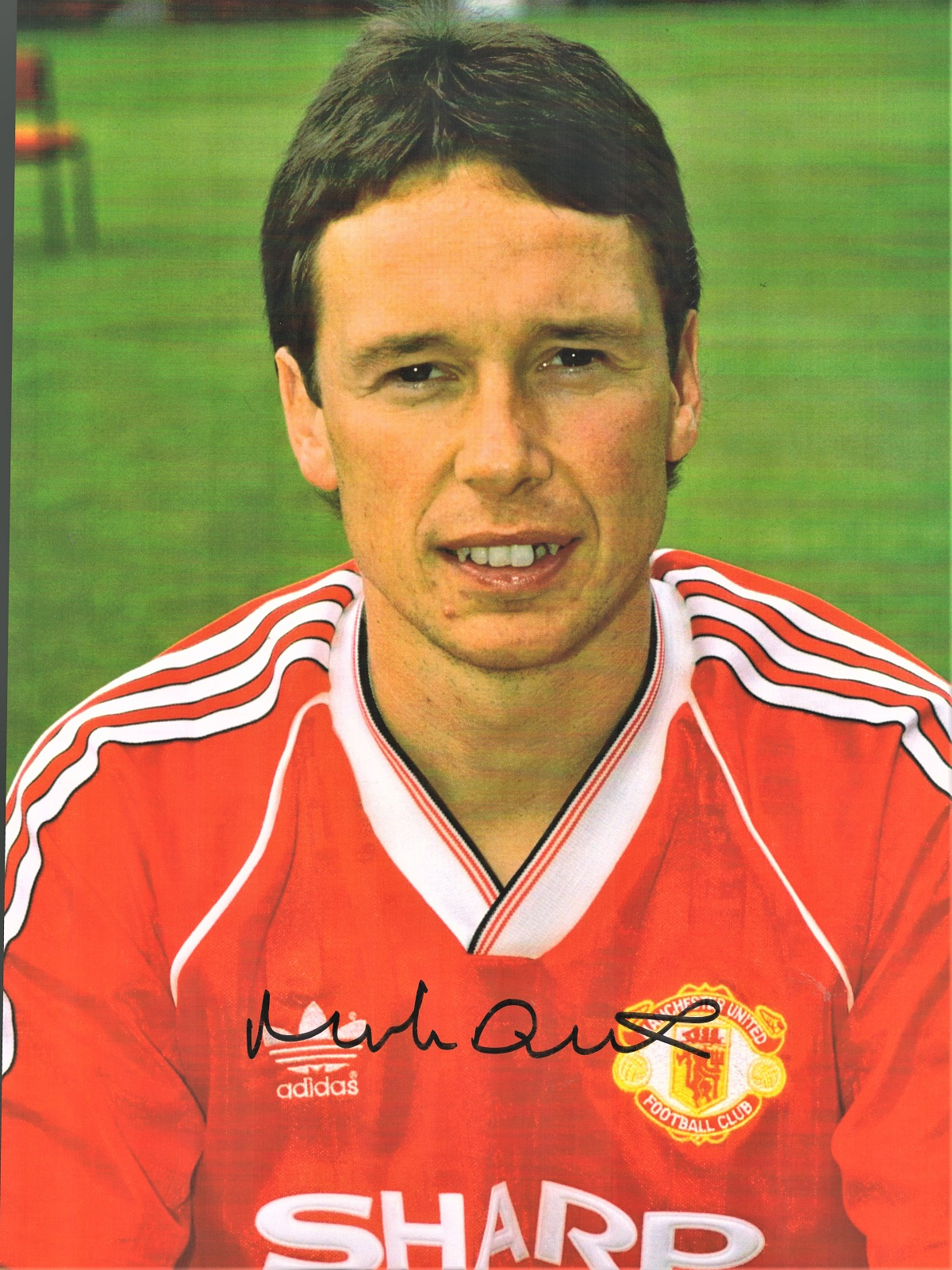 Football Mike Duxbury signed 16x12 colour photo pictured during his time with Manchester United.