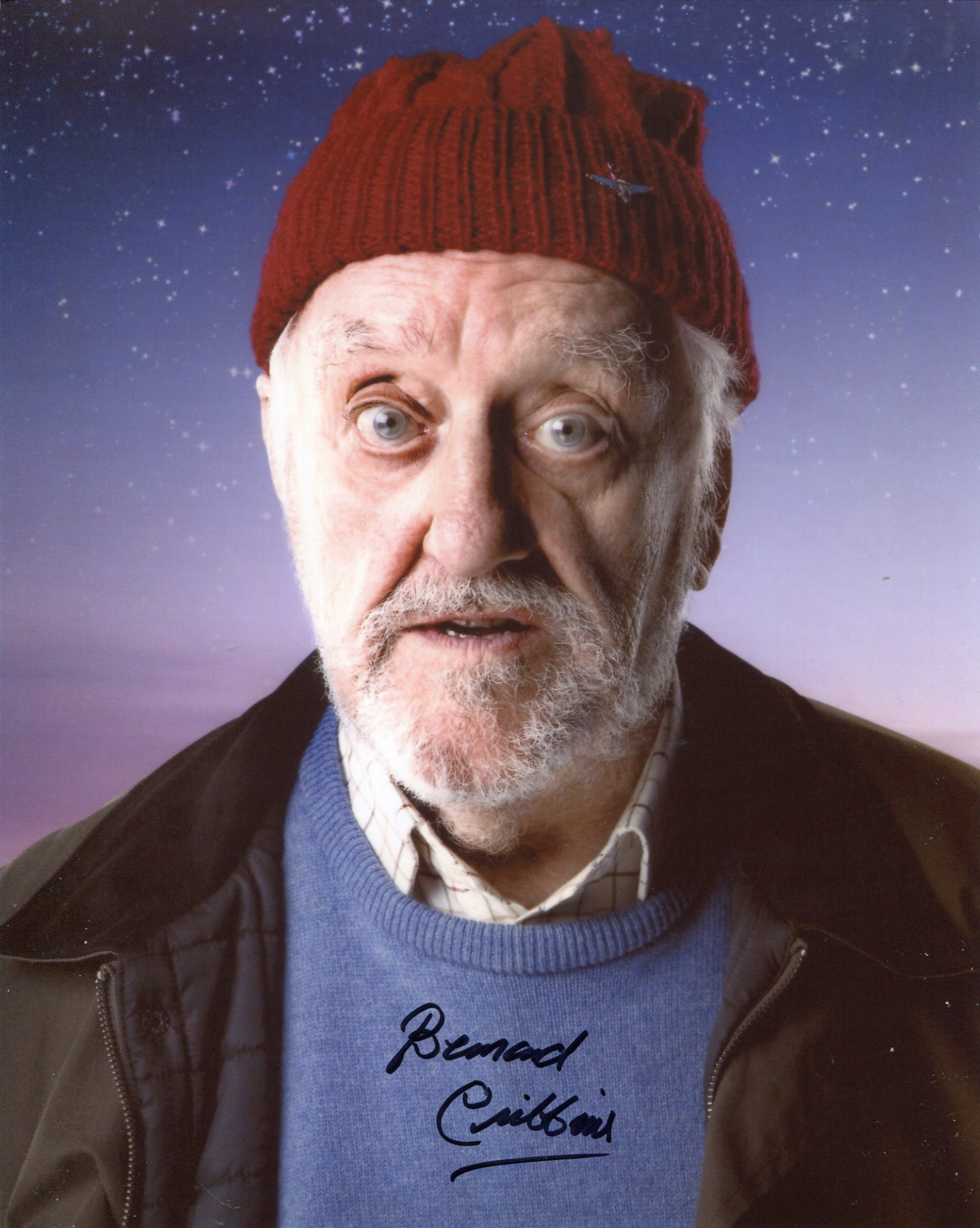 Doctor Who 8x10 photo signed by actor Bernard Cribbins as Wilf Mott. Good condition. All