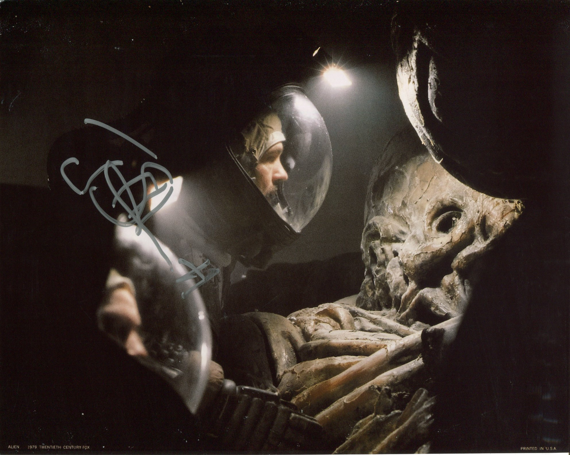 Alien. science fiction horror movie photo signed by actor Tom Skerritt as Captain Dallas. Good