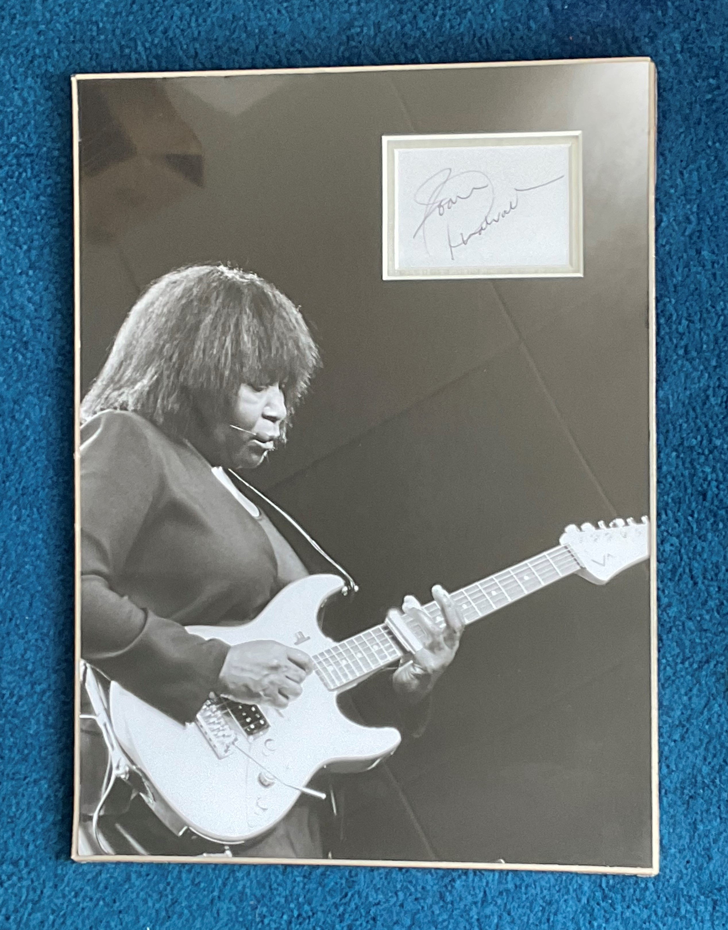 Joan Armatrading 16x12 mounted and matted signature piece includes superb black and white photo.
