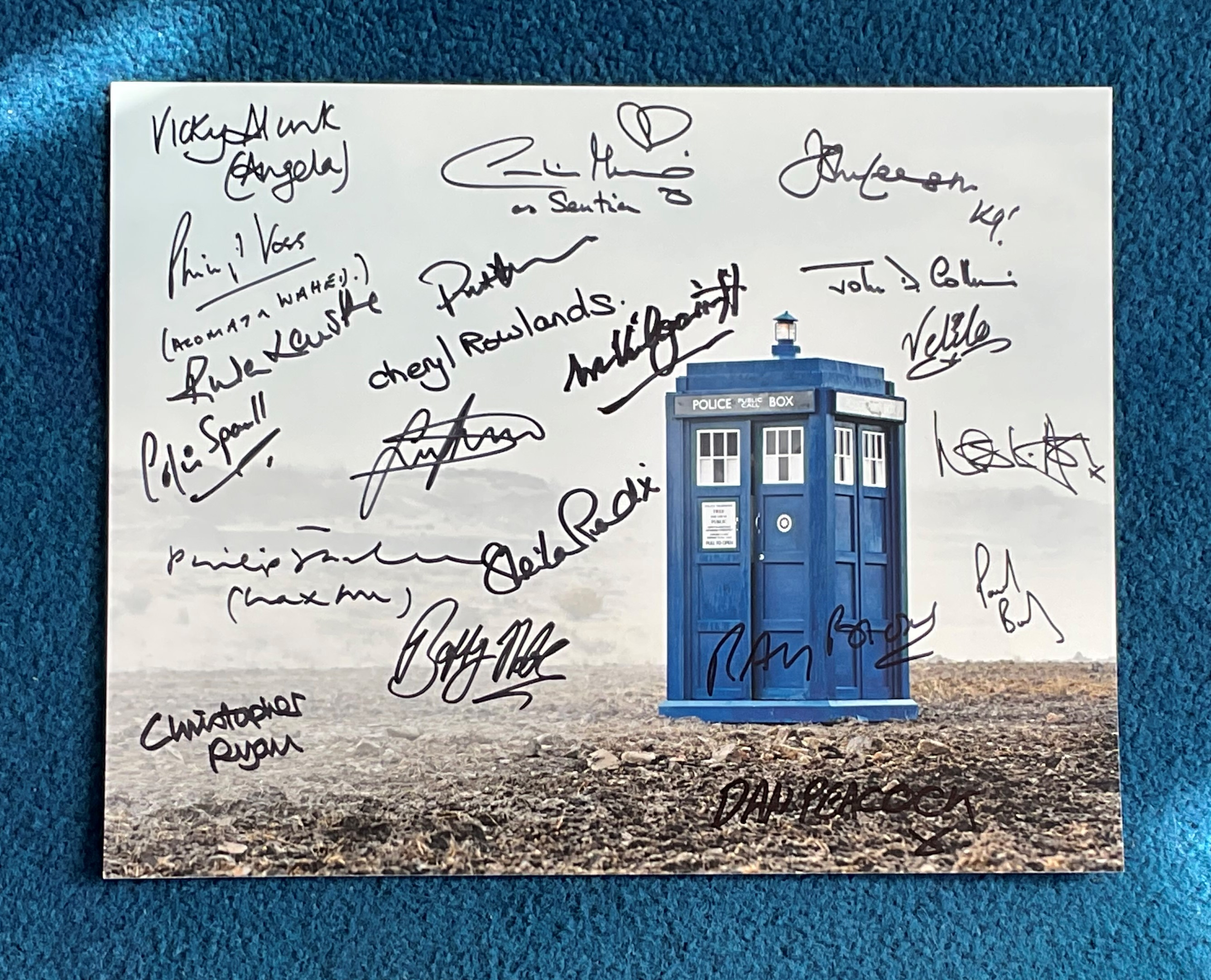 Dr Who 16x12 multi signed photo signed by 18 stars from the iconic BBC SCI Fi series includes Philip
