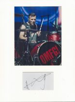 Harry Judd music, signature piece autograph presentation. Mounted with unsigned photo to approx.