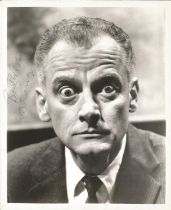 Art Carney actor signed 10 x 8 inch Black And White Photo. Arthur William Matthew Carney was an