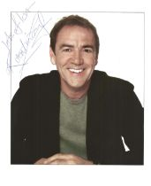 Robert Lindsay actor signed colour photo 10 x 8 inch. Robert Lindsay is an English stage and TV
