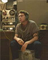George Mackay actor signed colour photo 10 x 8 inch. George Andrew J. MacKay born 13 March 1992 is a