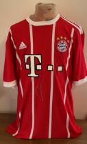 Football Robert Lewandowski signed Bayern Munich replica home shirt.