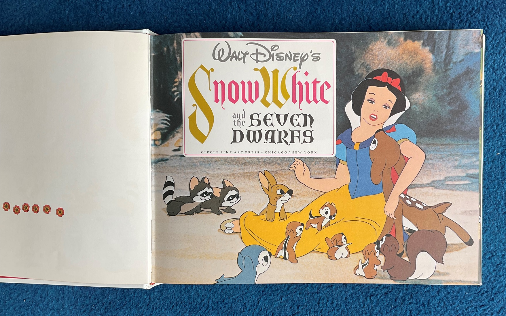 Hardback Book with slipcase Snow White and the Seven Dwarfs by Walt Disney Productions Limited - Image 3 of 4