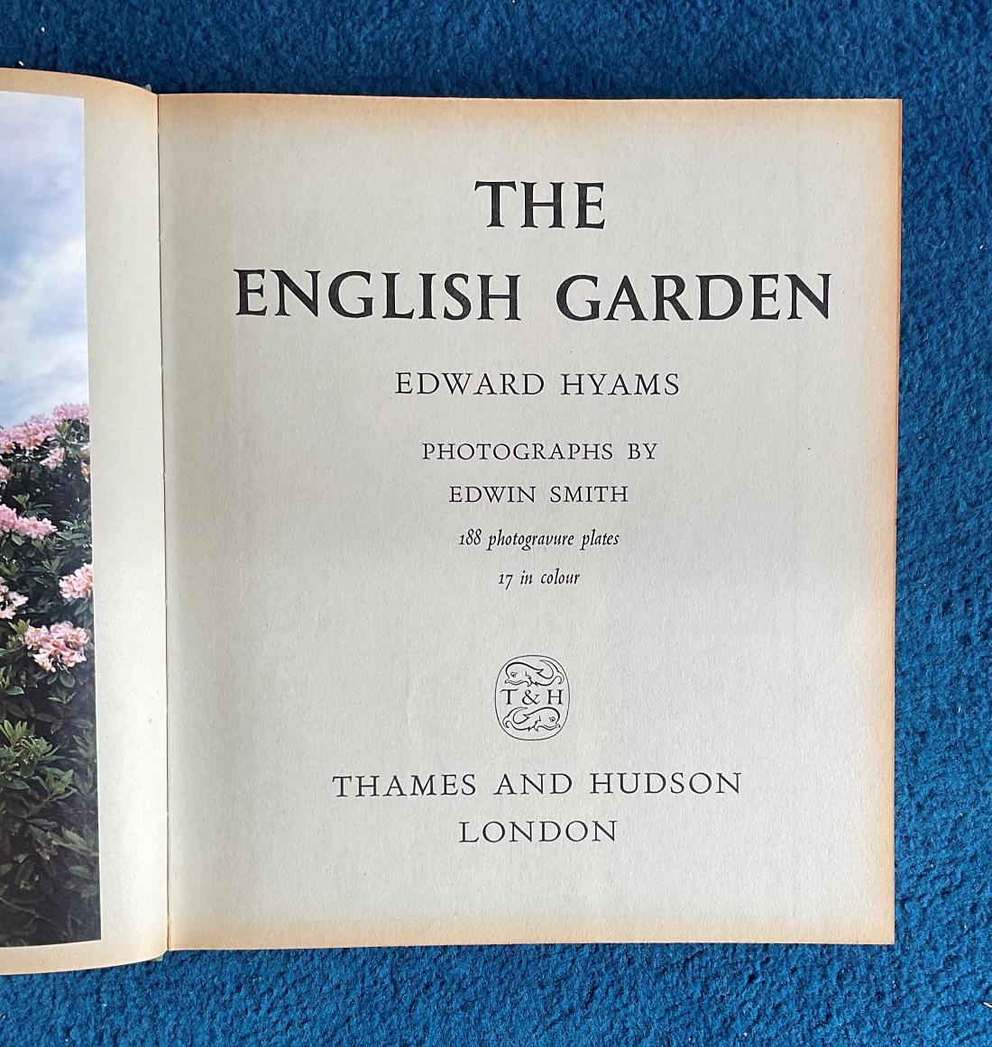 Signed Hardback Book The English Garden by Edward Hyams Signed by Diana Barnato Walker MBE this Book - Image 3 of 4