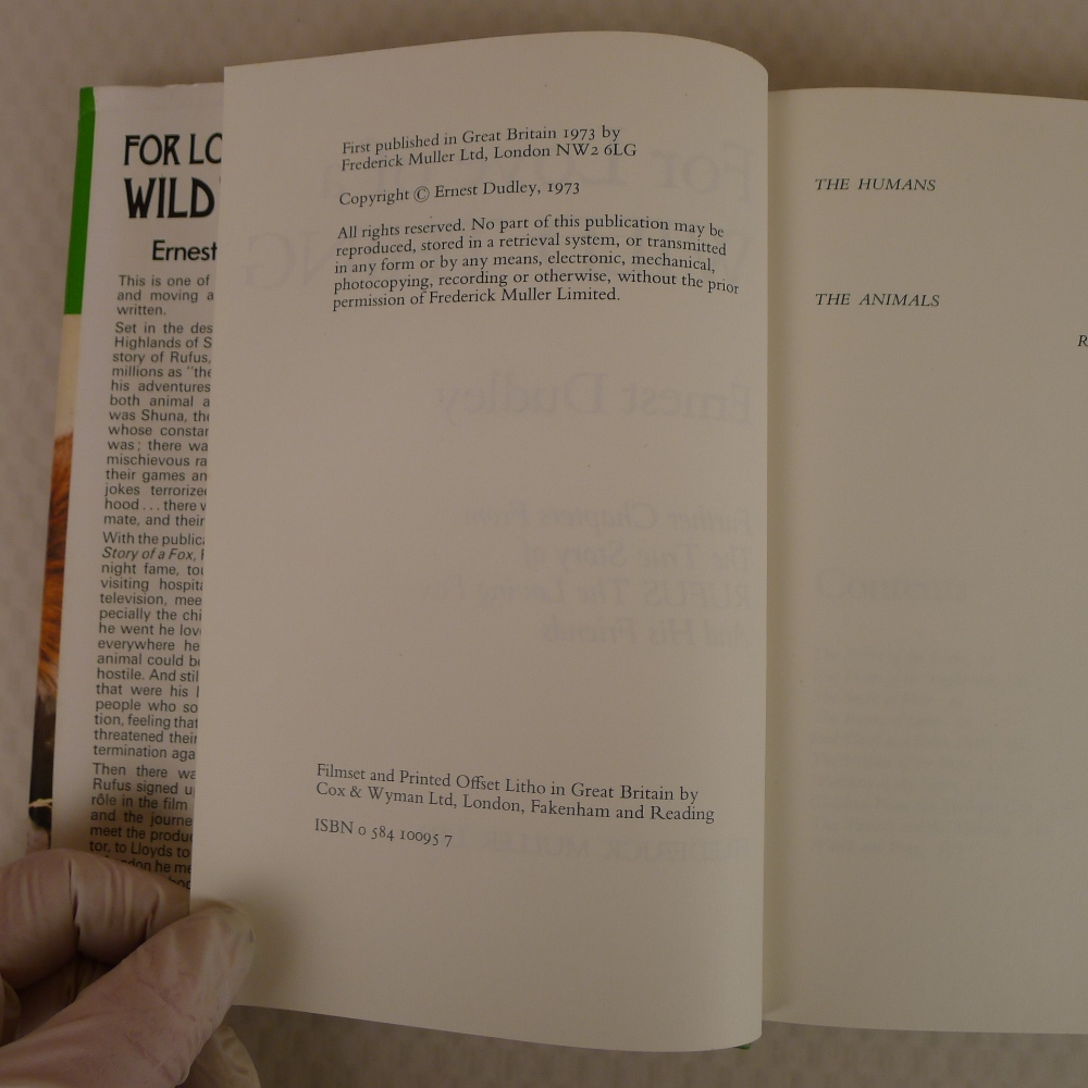 4 x various vintage hardback books on foxes comprising For the Love of a Wild Thing by Ern Dudley - Image 4 of 11