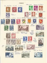 France, 1938/1937, stamps on loose sheets, approx. 40. Good condition. We combine postage on