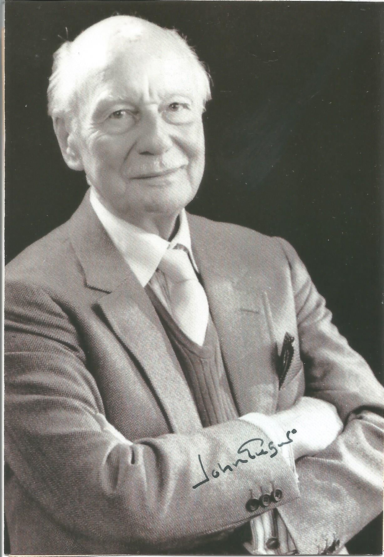 Actor John Gielgud signed 6x4 black and white photo. Sir Arthur John Gielgud, OM, CH was an