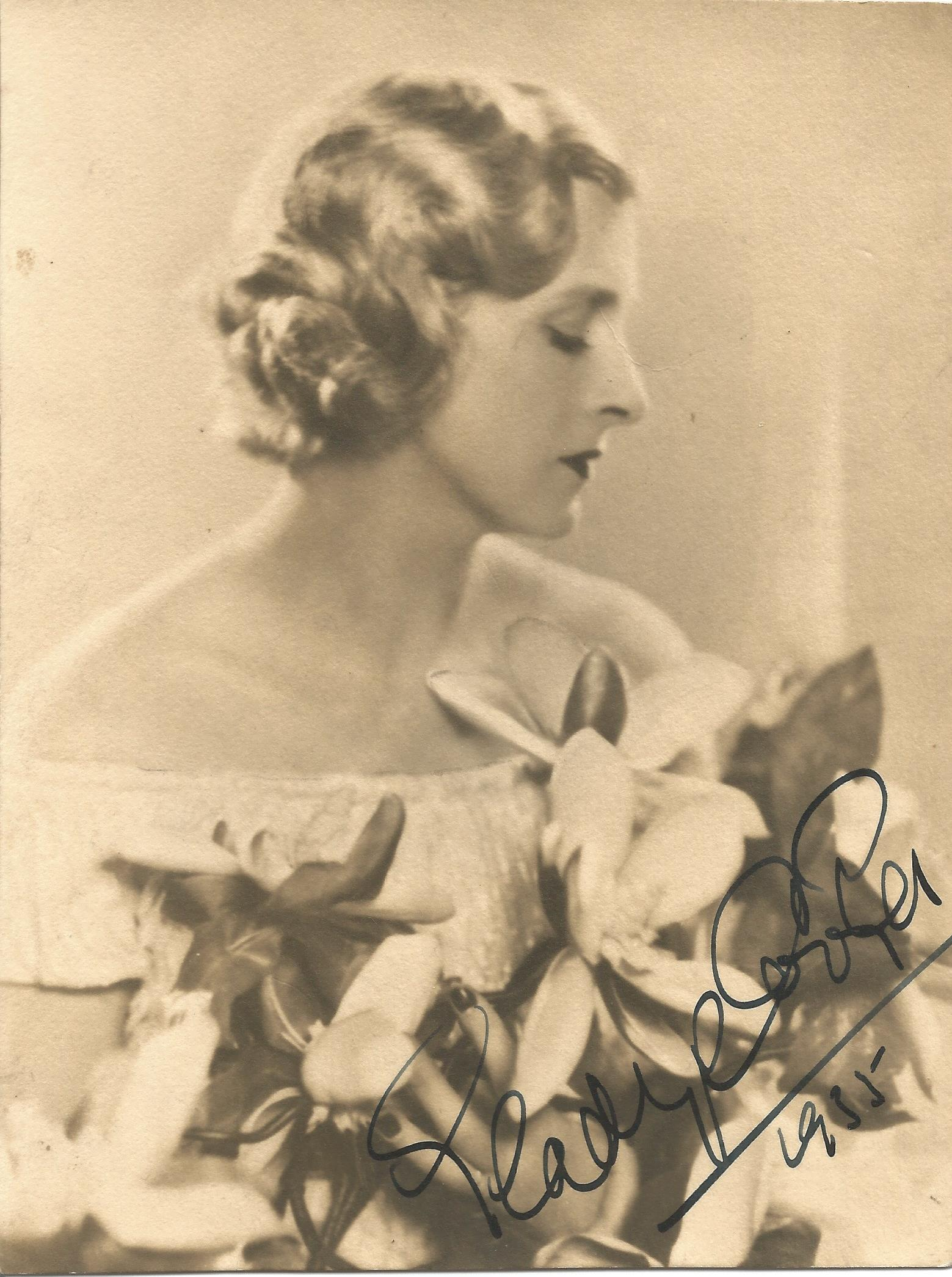 Actress Gladys Cooper vintage black and white 7x5 photo signed and dated 1935. Dame Gladys Constance