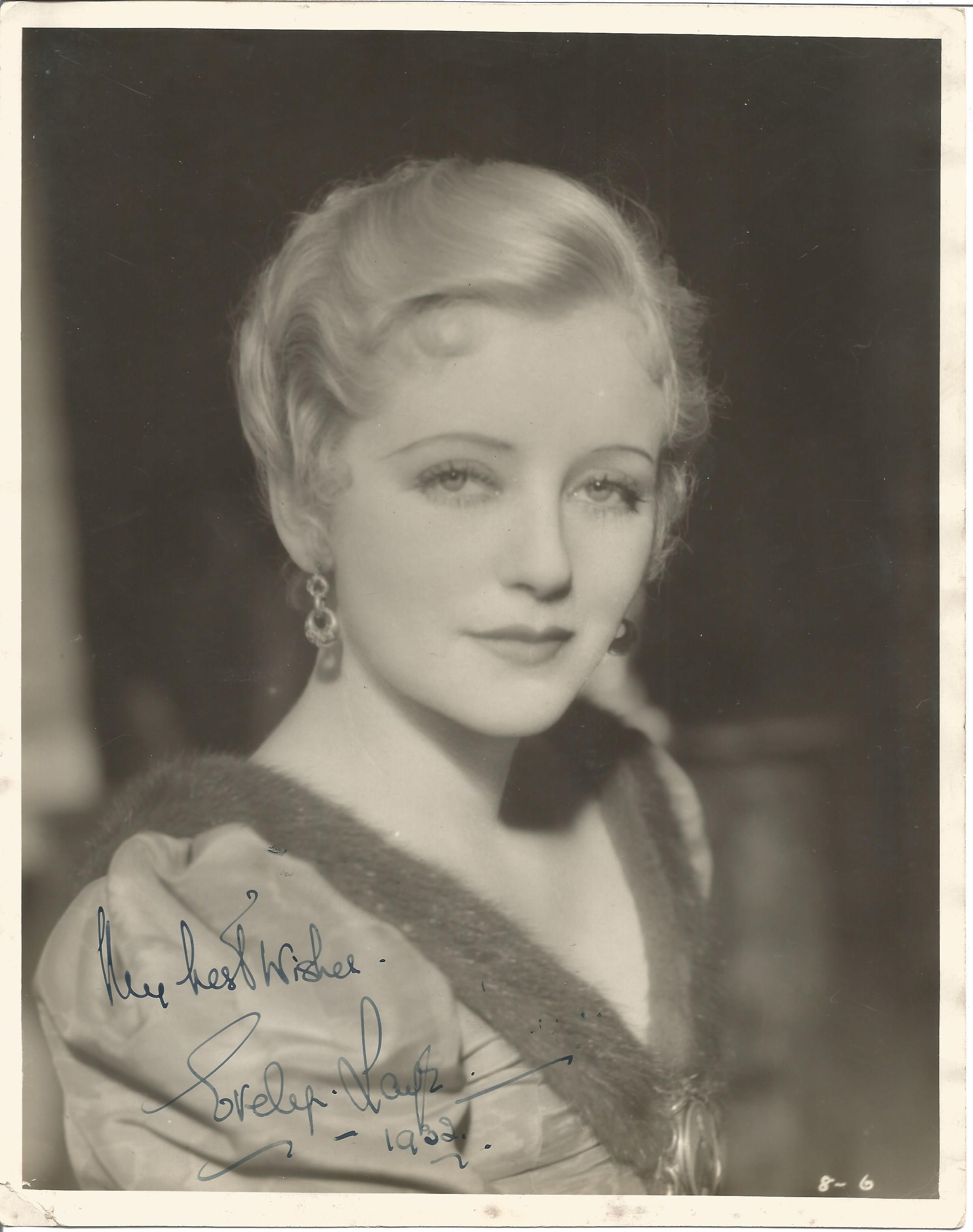 Actress Evelyn Laye vintage singed 10x8 black and white photo from Die Fledermaus, signed and