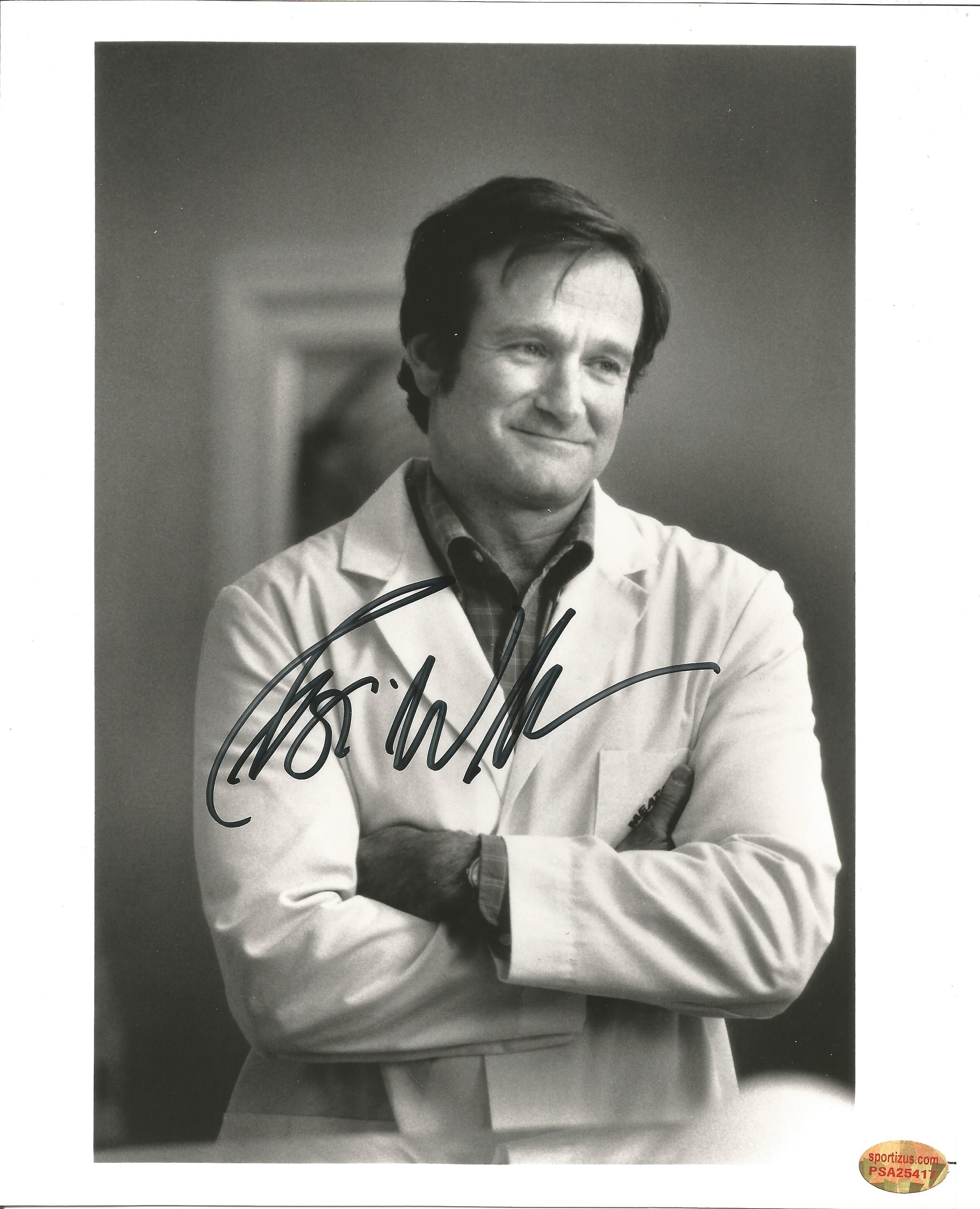 Actor Robin Williams signed 10x8 black and white photo from the 1998 film Patch Adams. Robin
