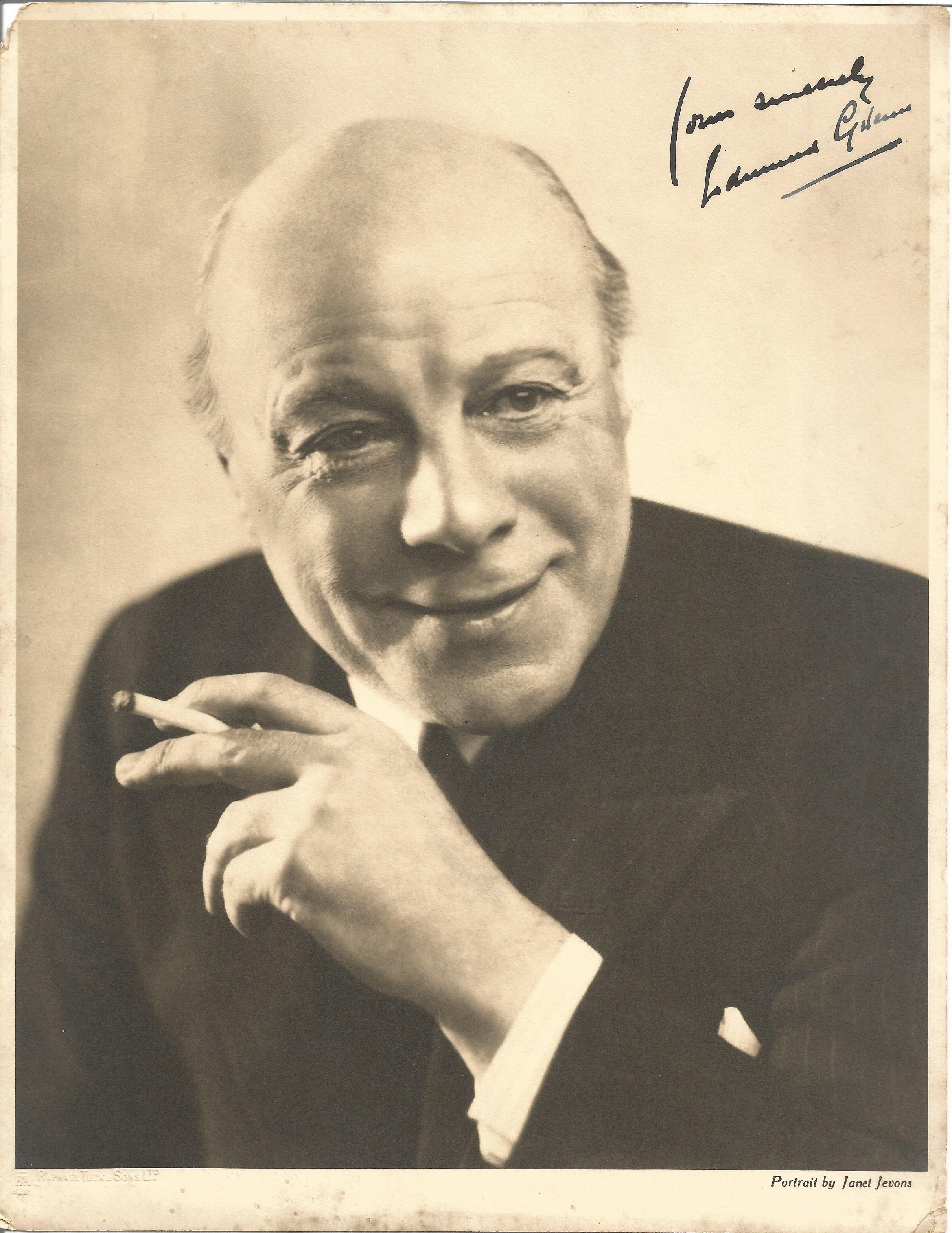 Actor Edmund Gwenn vintage signed 10x8 black and white photo. Edmund Gwenn was an English actor.