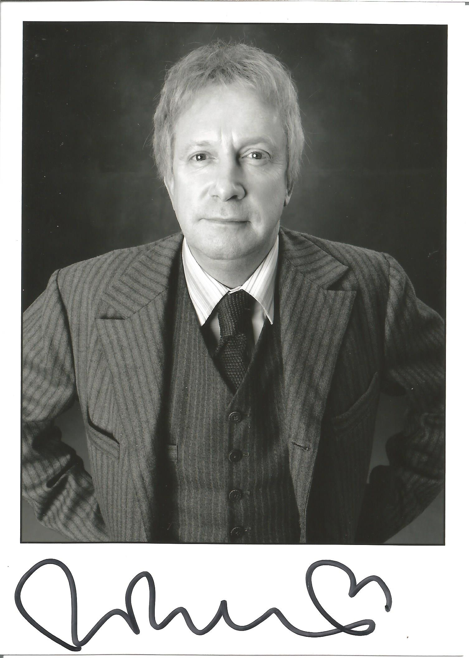 Actor Mark Williams signed 7x5 colour photo in character as Arthur Weasley from the Harry Potter